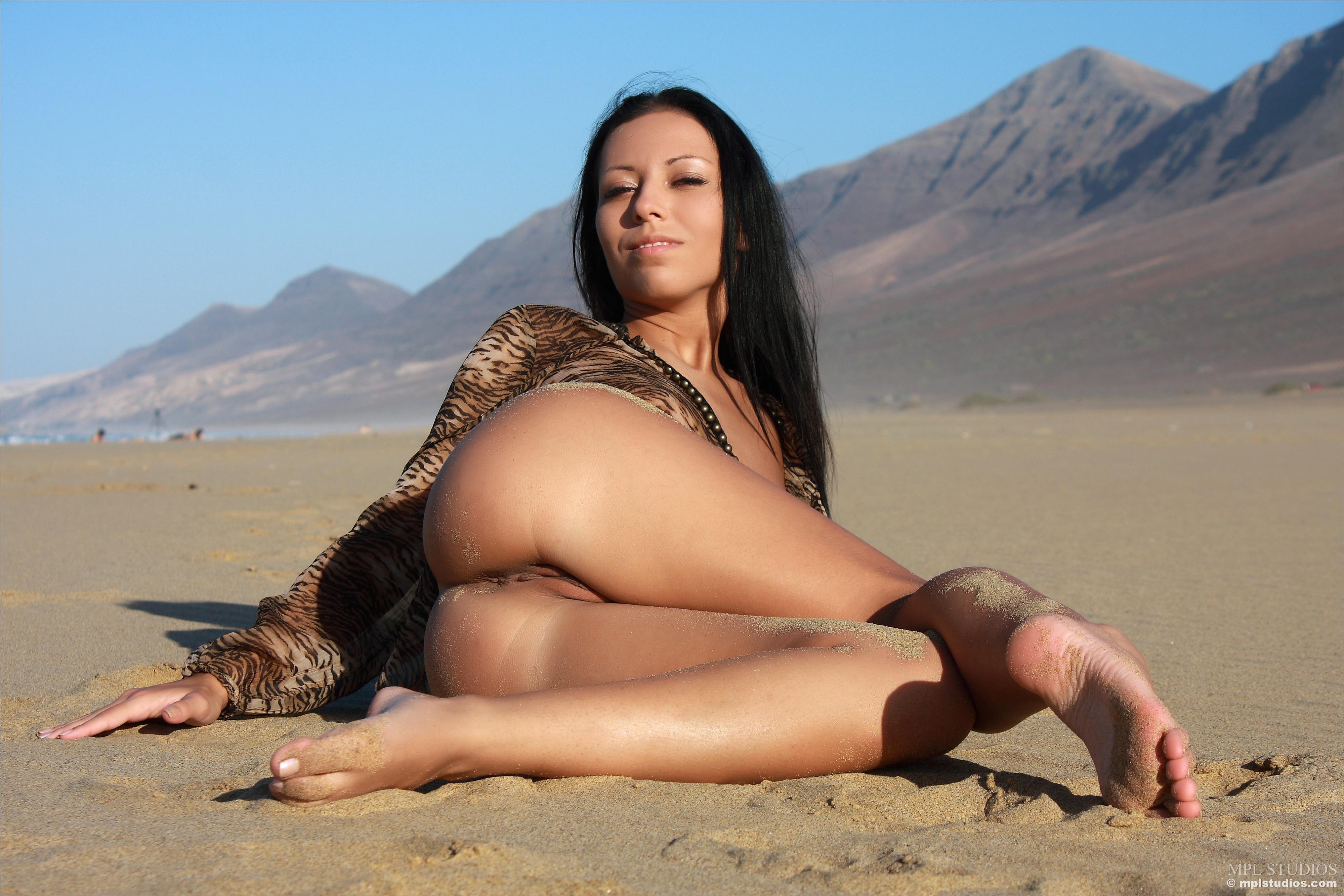 Black Girls Shower Naked Photos