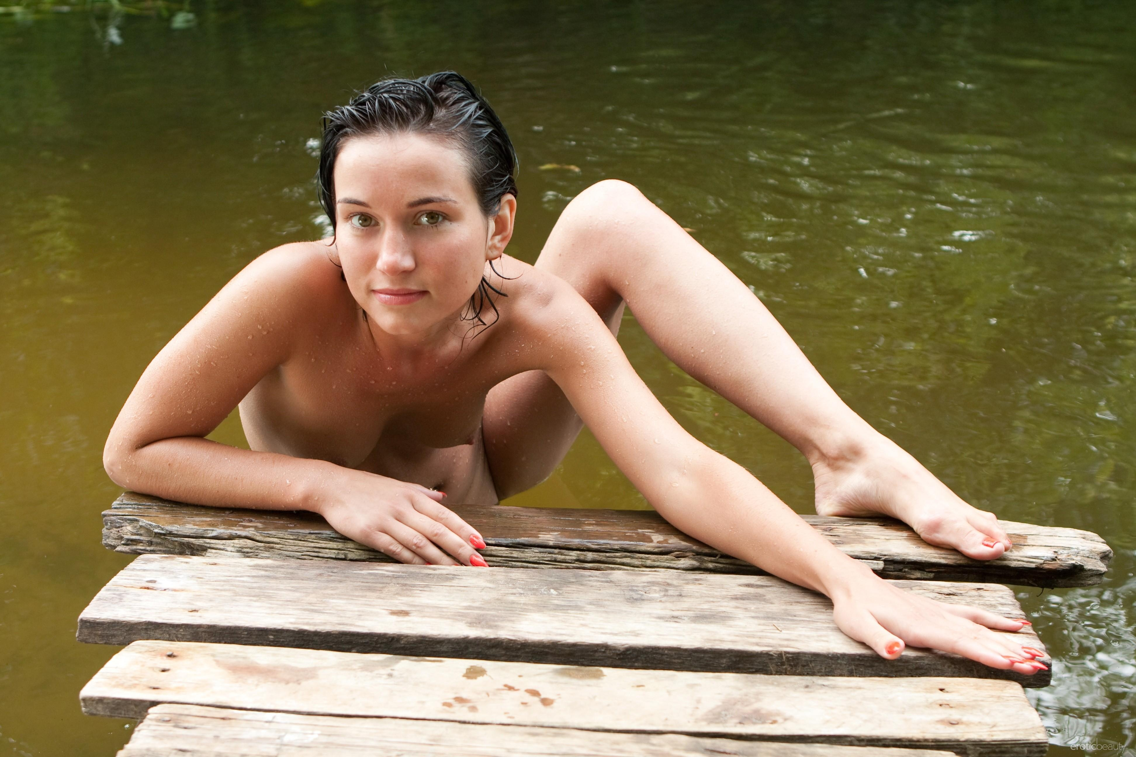girl tippy toes nipples puffy nipples goosebumps   id 113496
