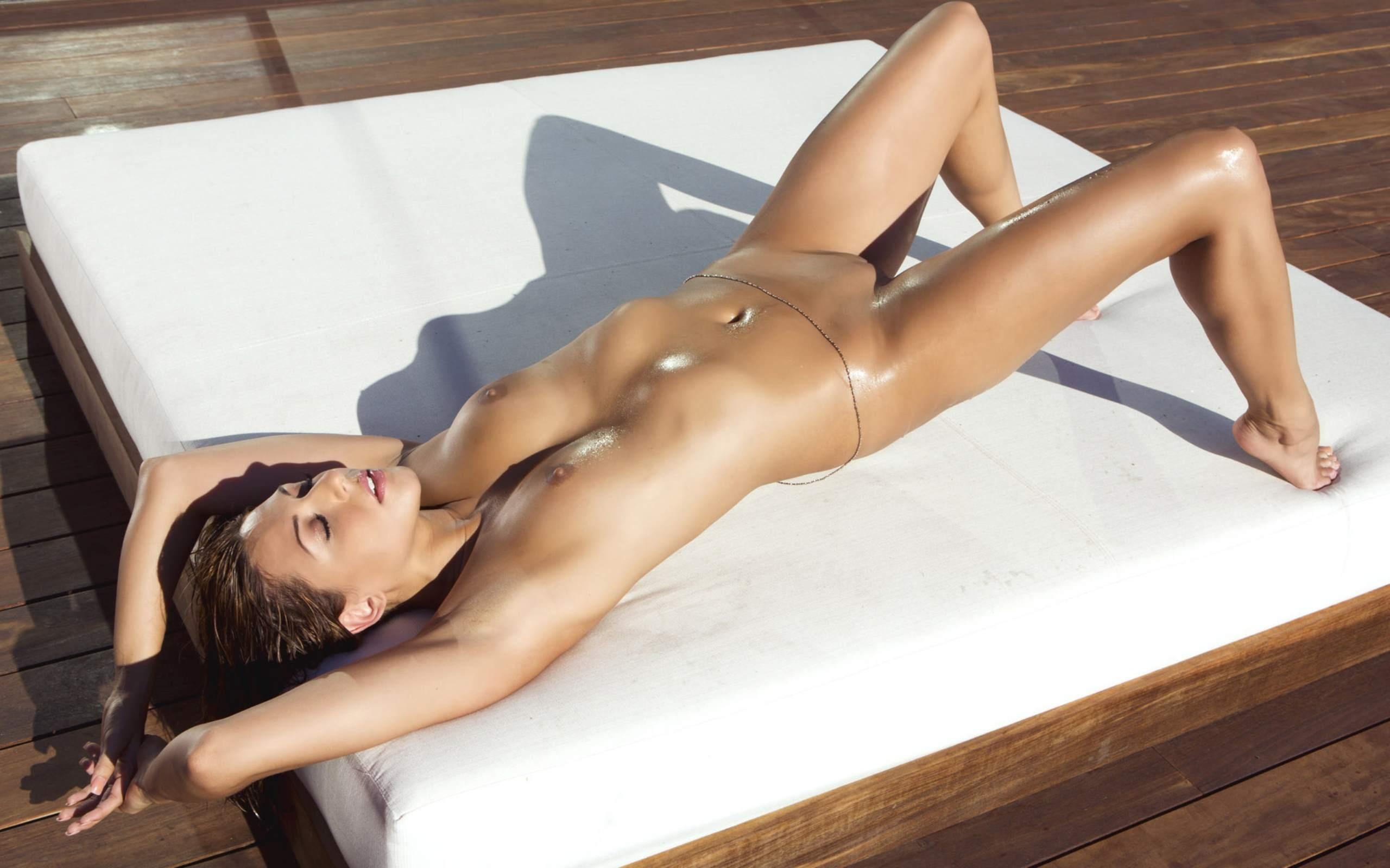 красивые голые женщины с нашего двора