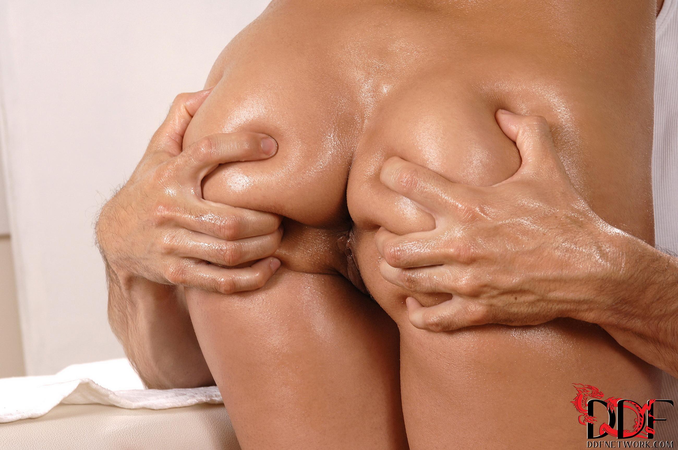 Сжимая задницу порно 17 фотография