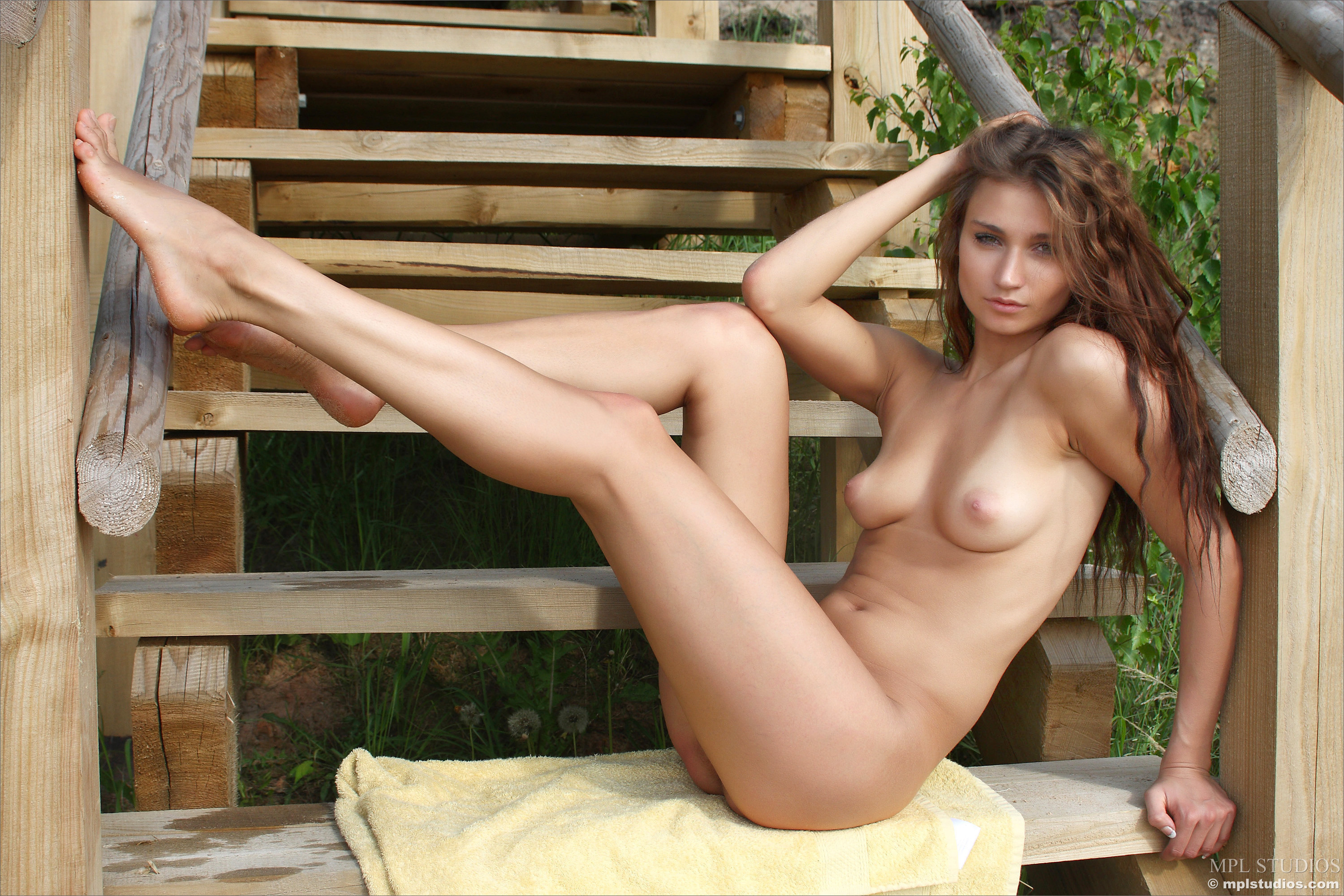 most beautiful hooters girls nude