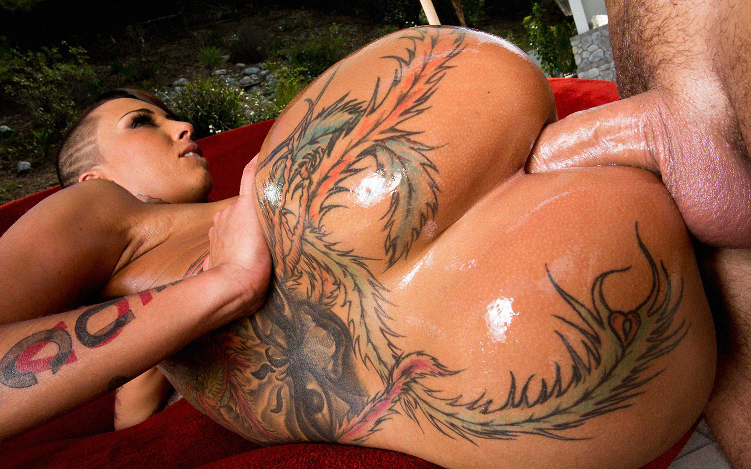Chubby tattooed slut fucking