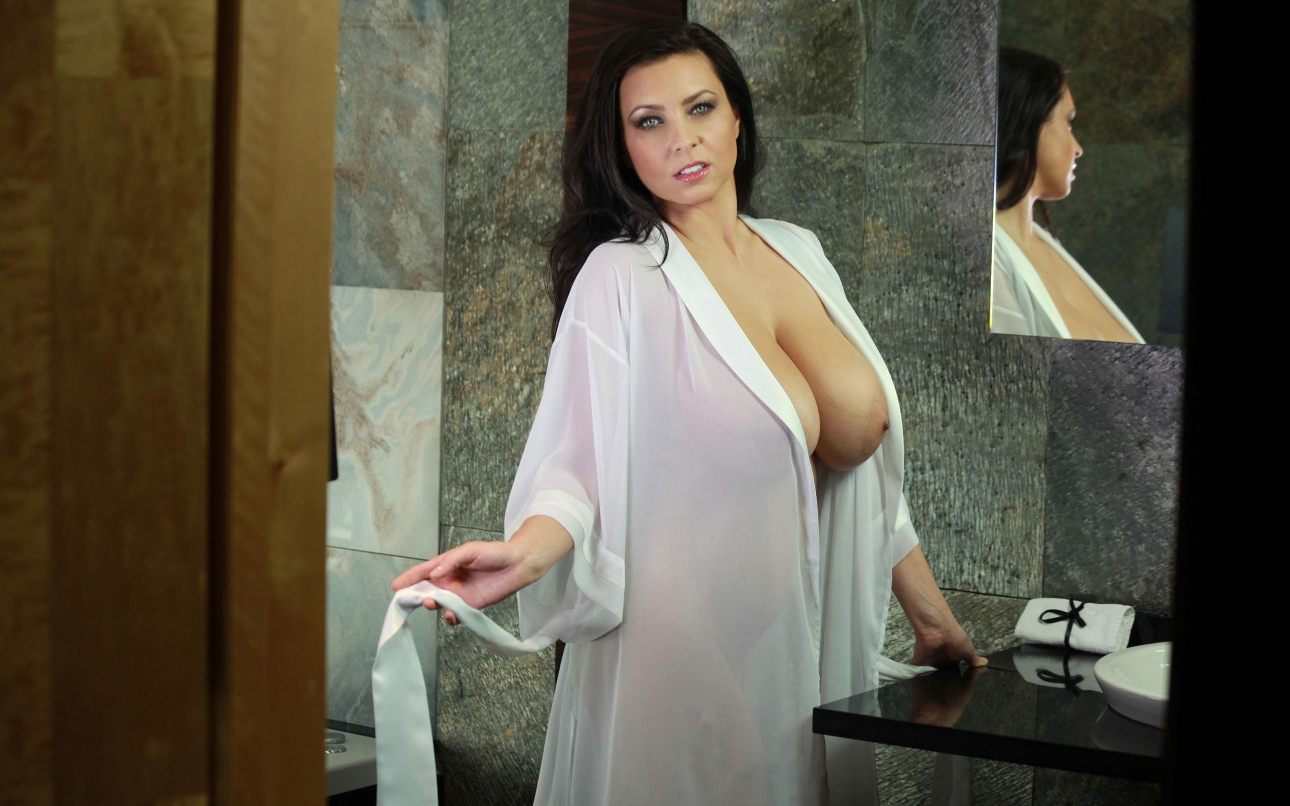 busty babe big nipples
