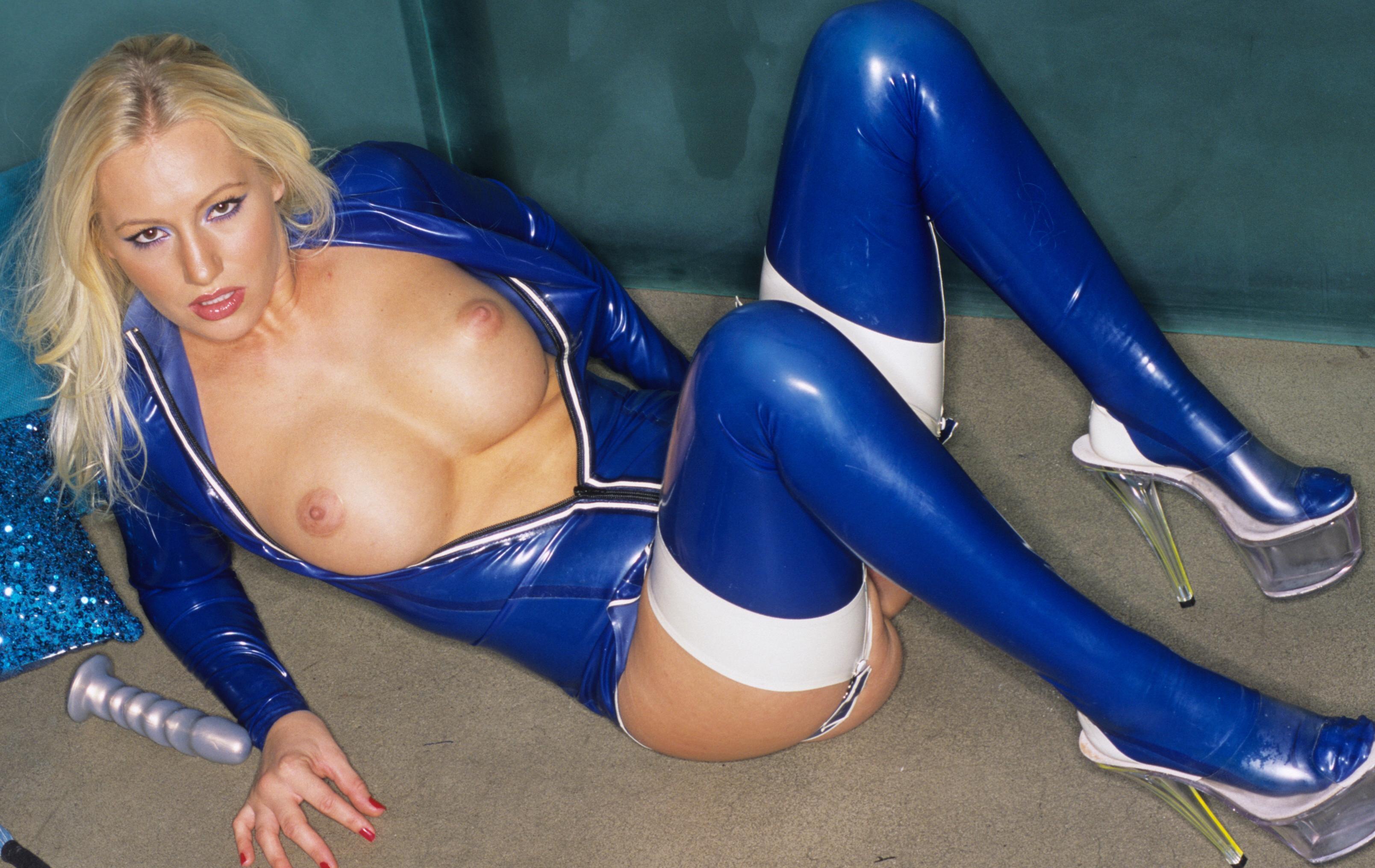 Wallpaper Blonde, Model, Sexy Babe, Long Hair, Laying -5674