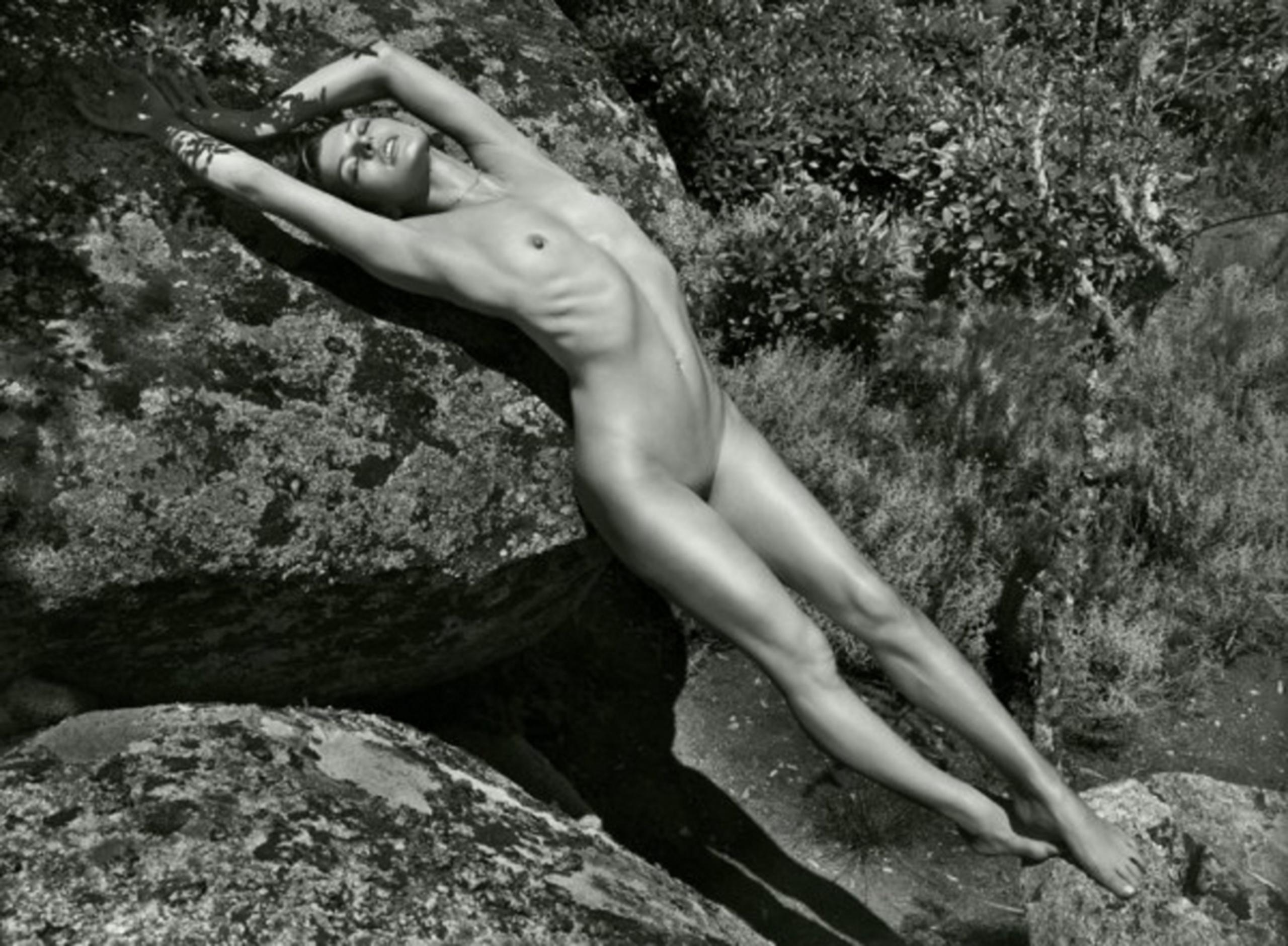 Юная милая голая 17 фотография