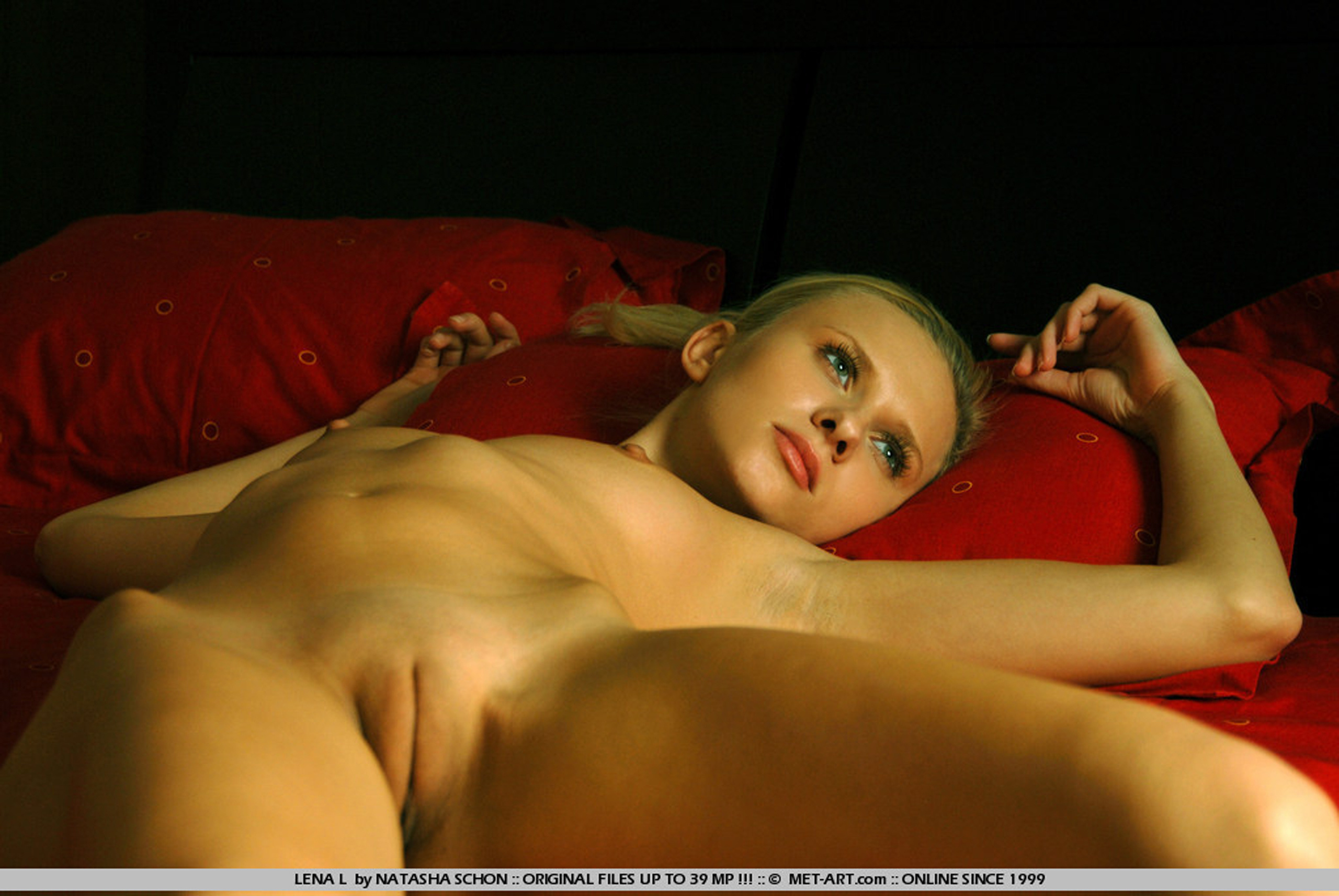 Art nude painting met body