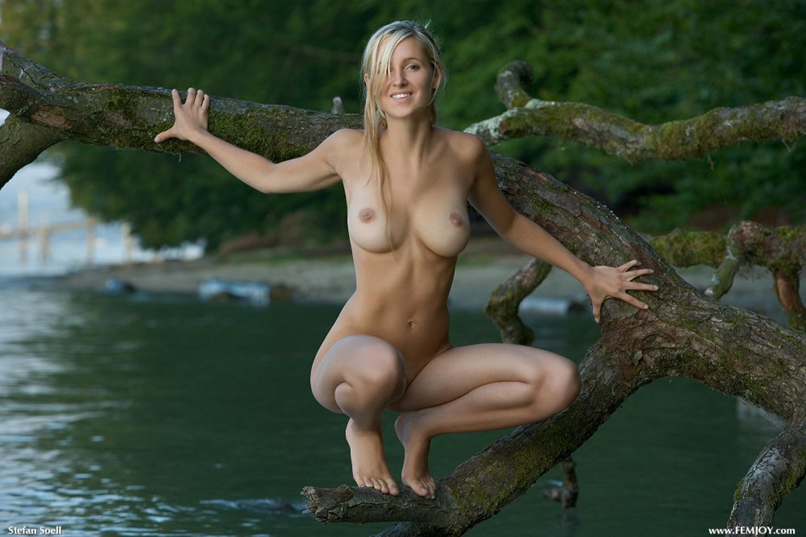 hot cutie nude in nature