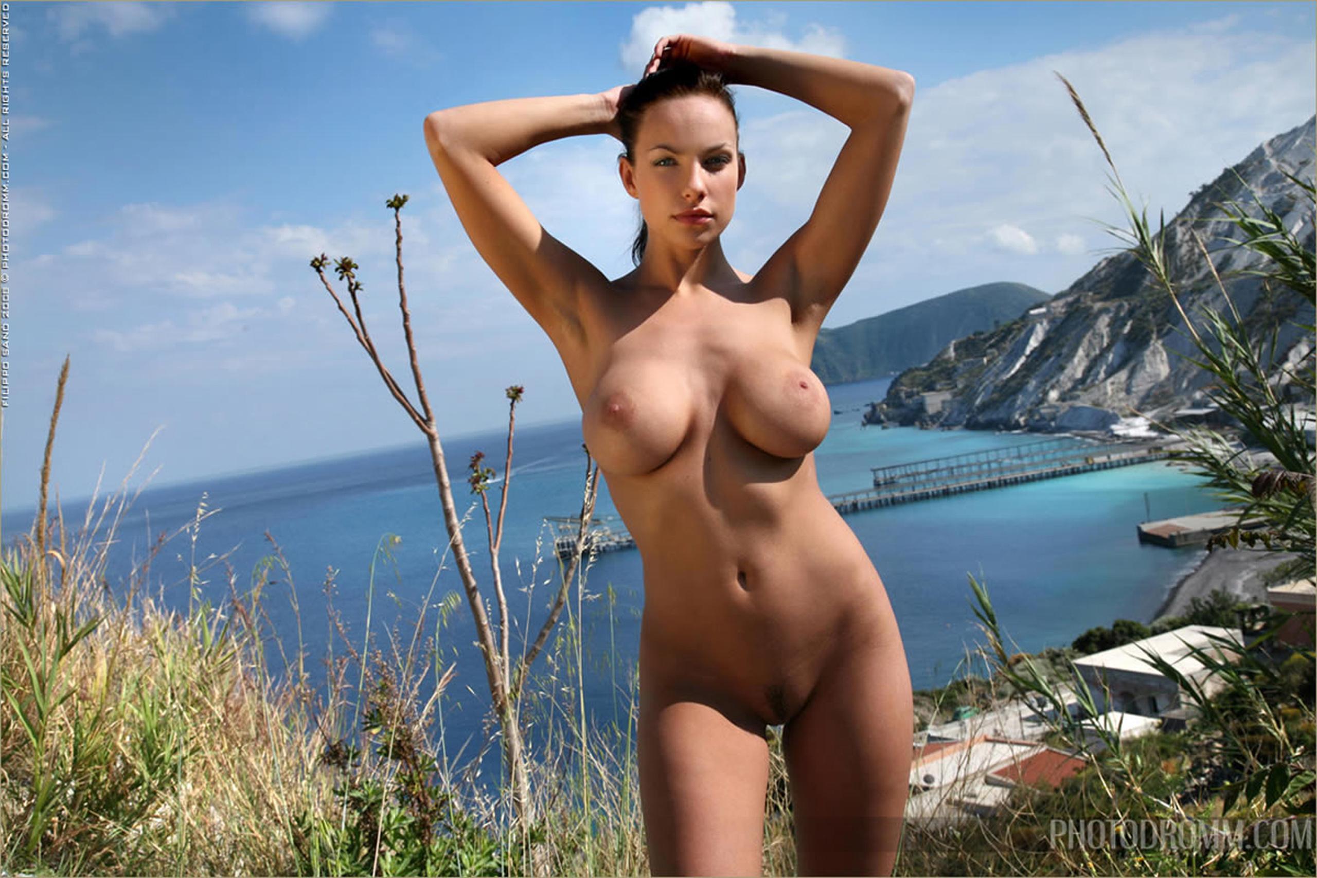 Nude Girls Boobies