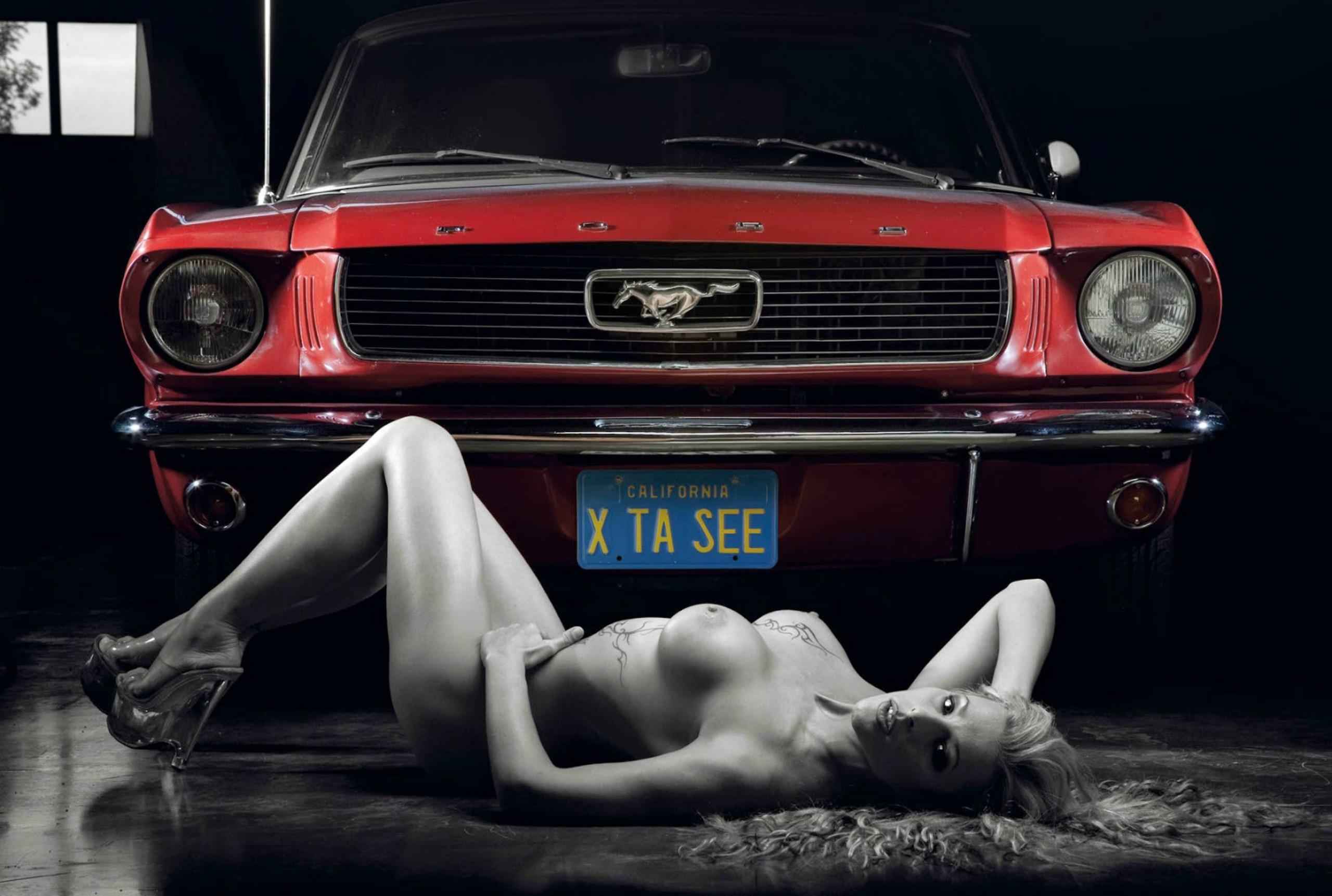 naked women in mustangs