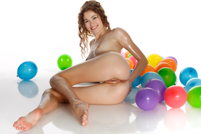 Naked balloon fetish