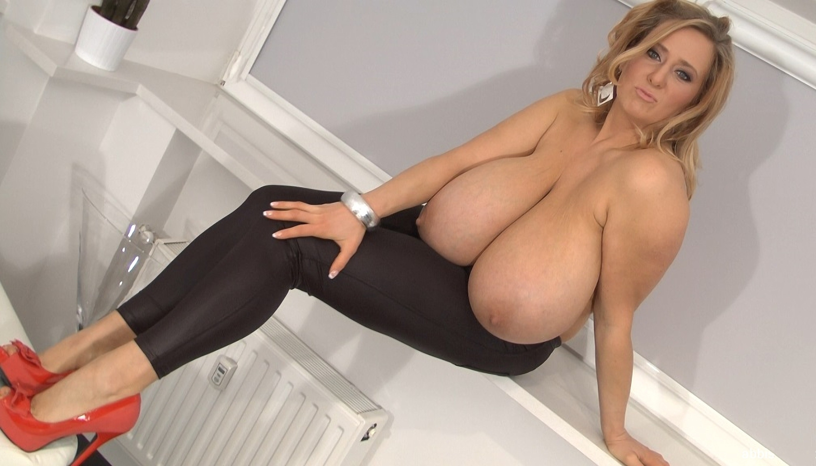Enormous heavy tits all on a fairly slim frame wow 1
