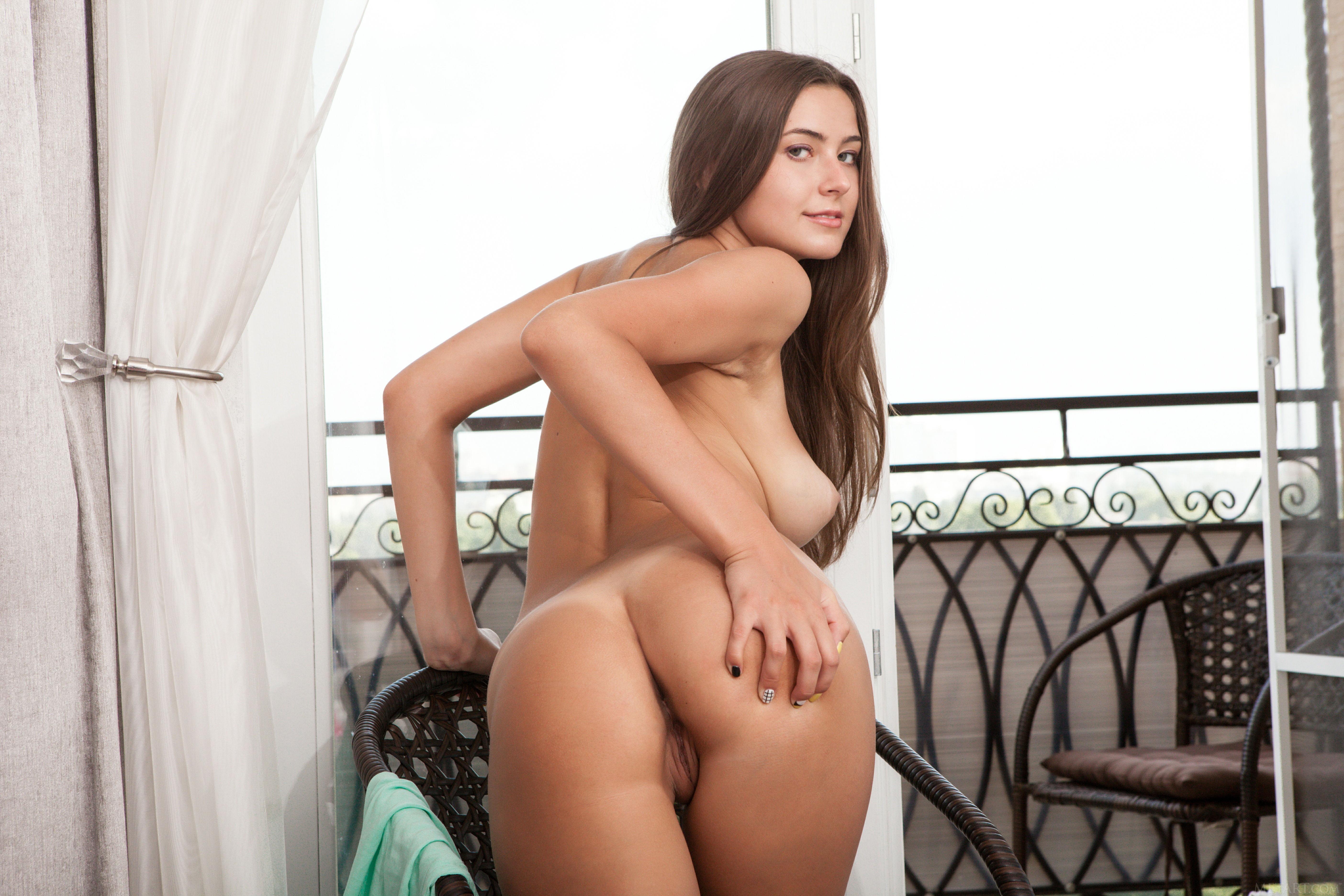 Cute euro girls naked