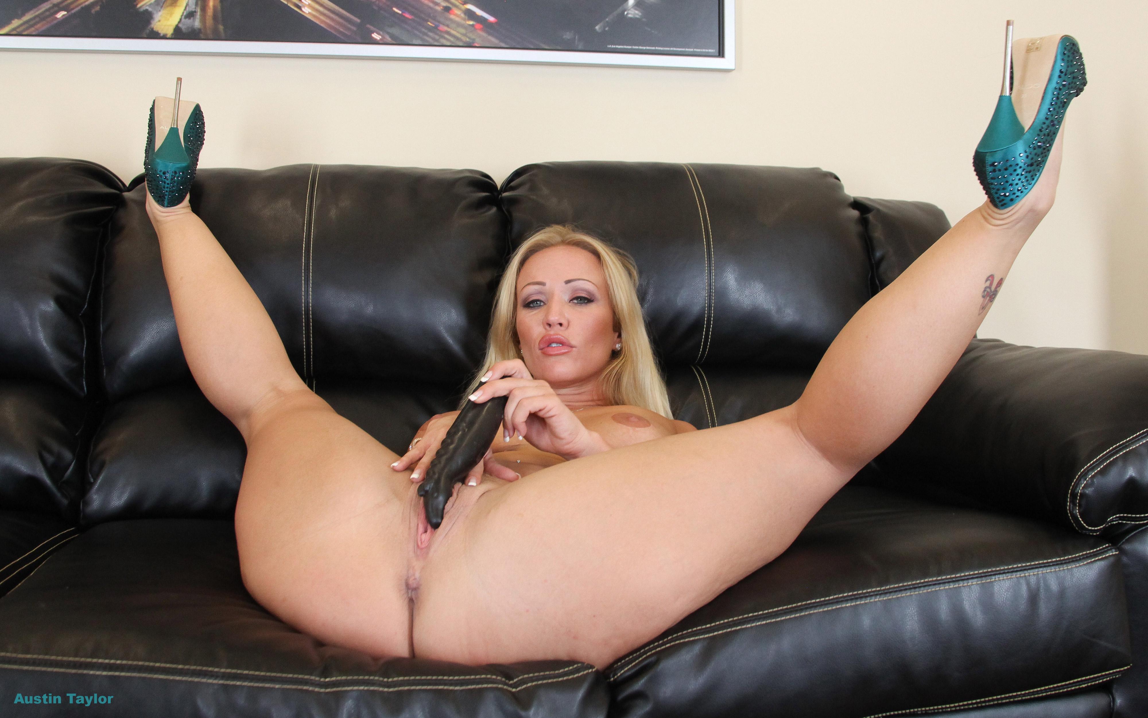 Austin Taylor Hd 1080p   Saddle Girls