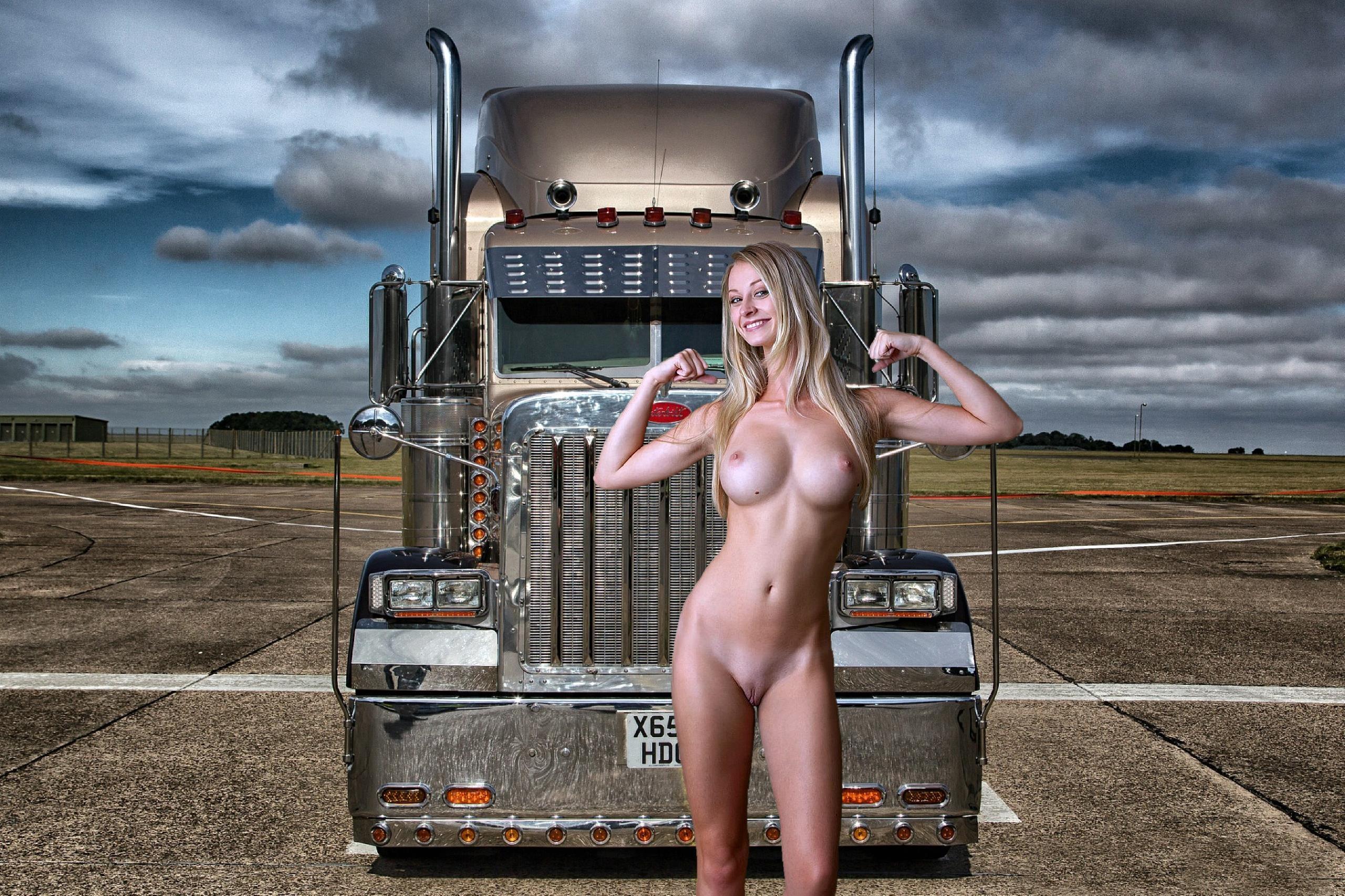 Sexy female bodybuilders nude