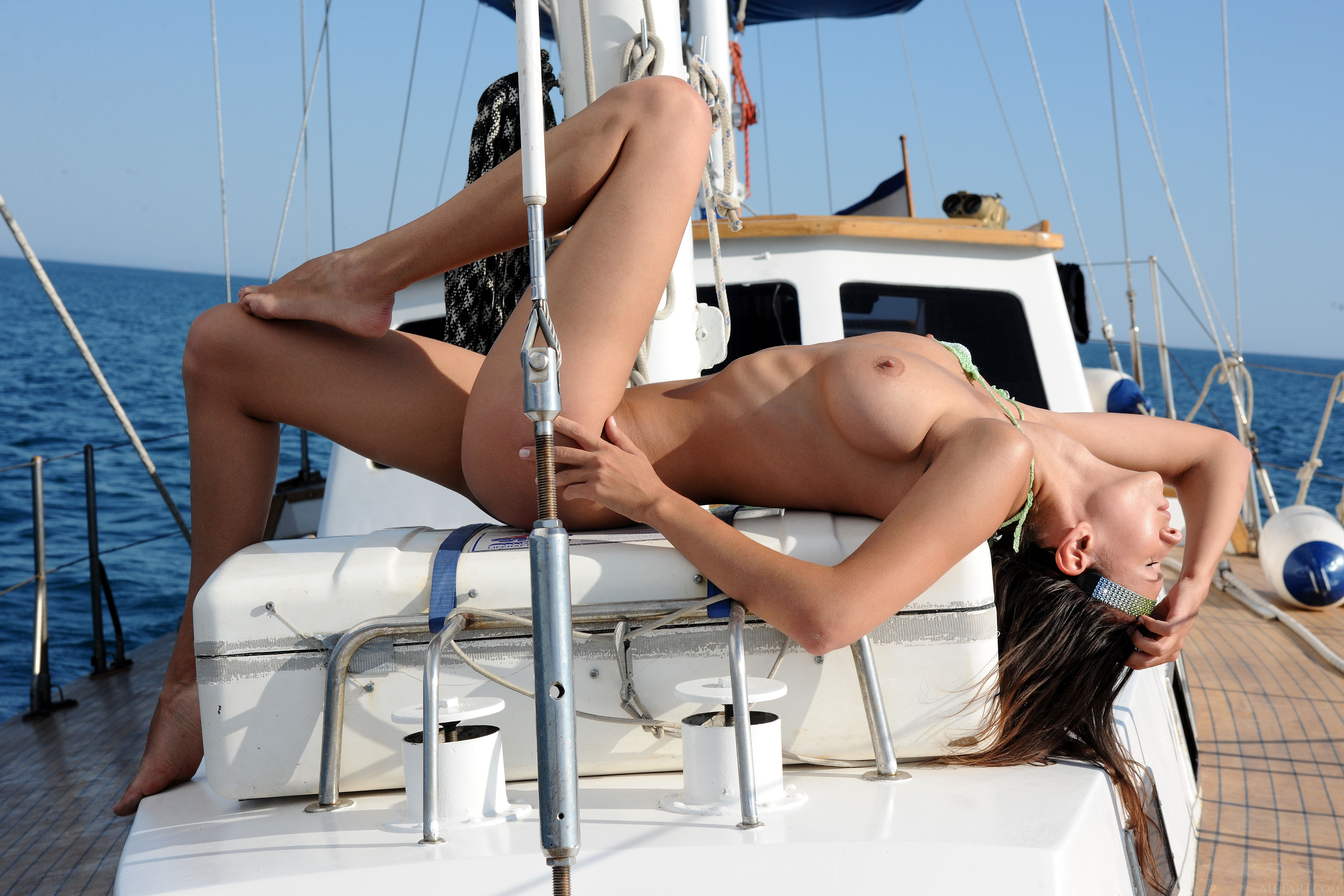 naked-slut-in-a-boat