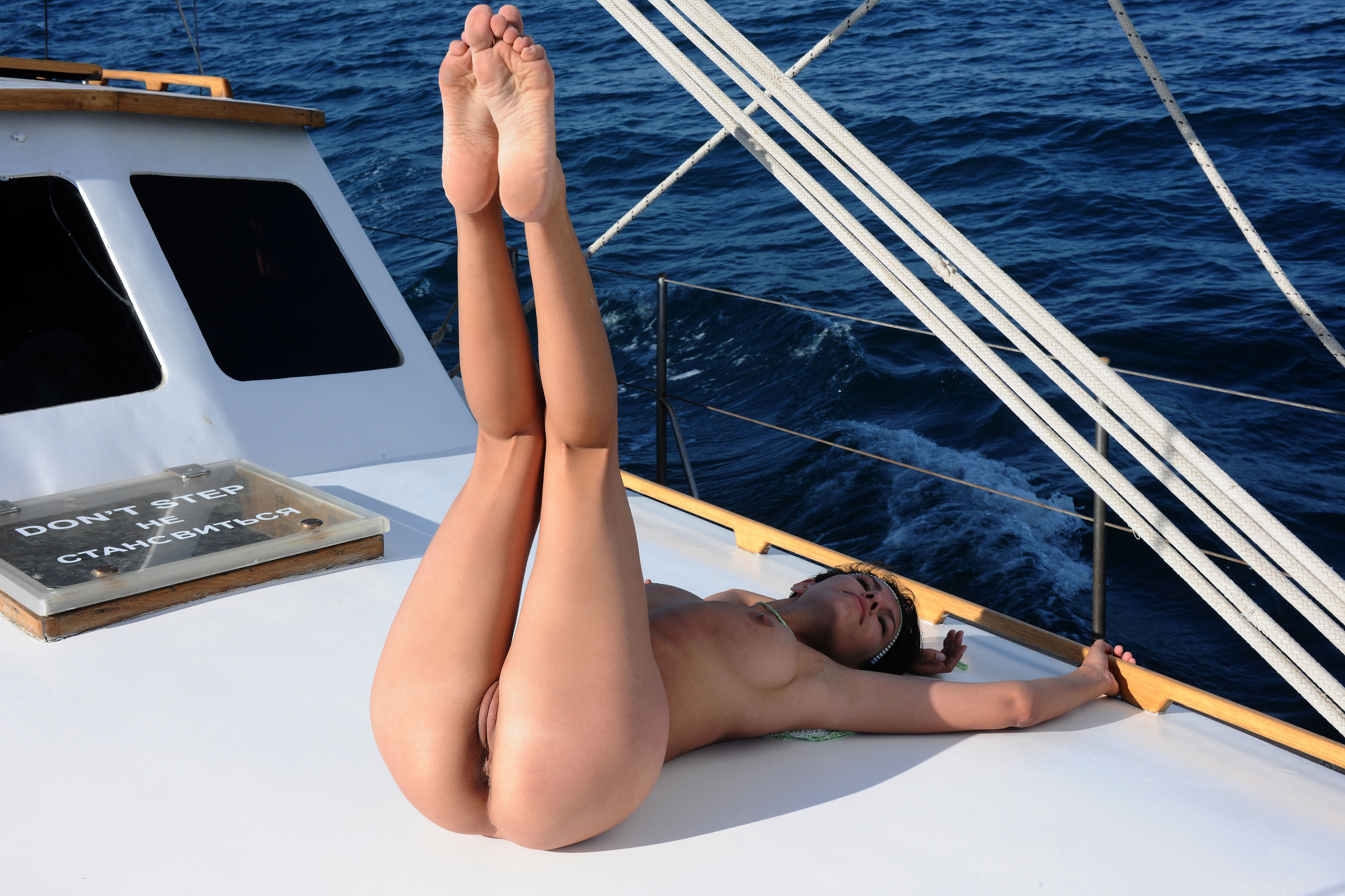 boat sexy pussy girl