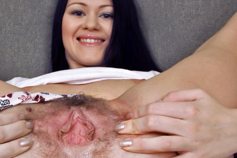 Beaver her puss pussy vag vagina