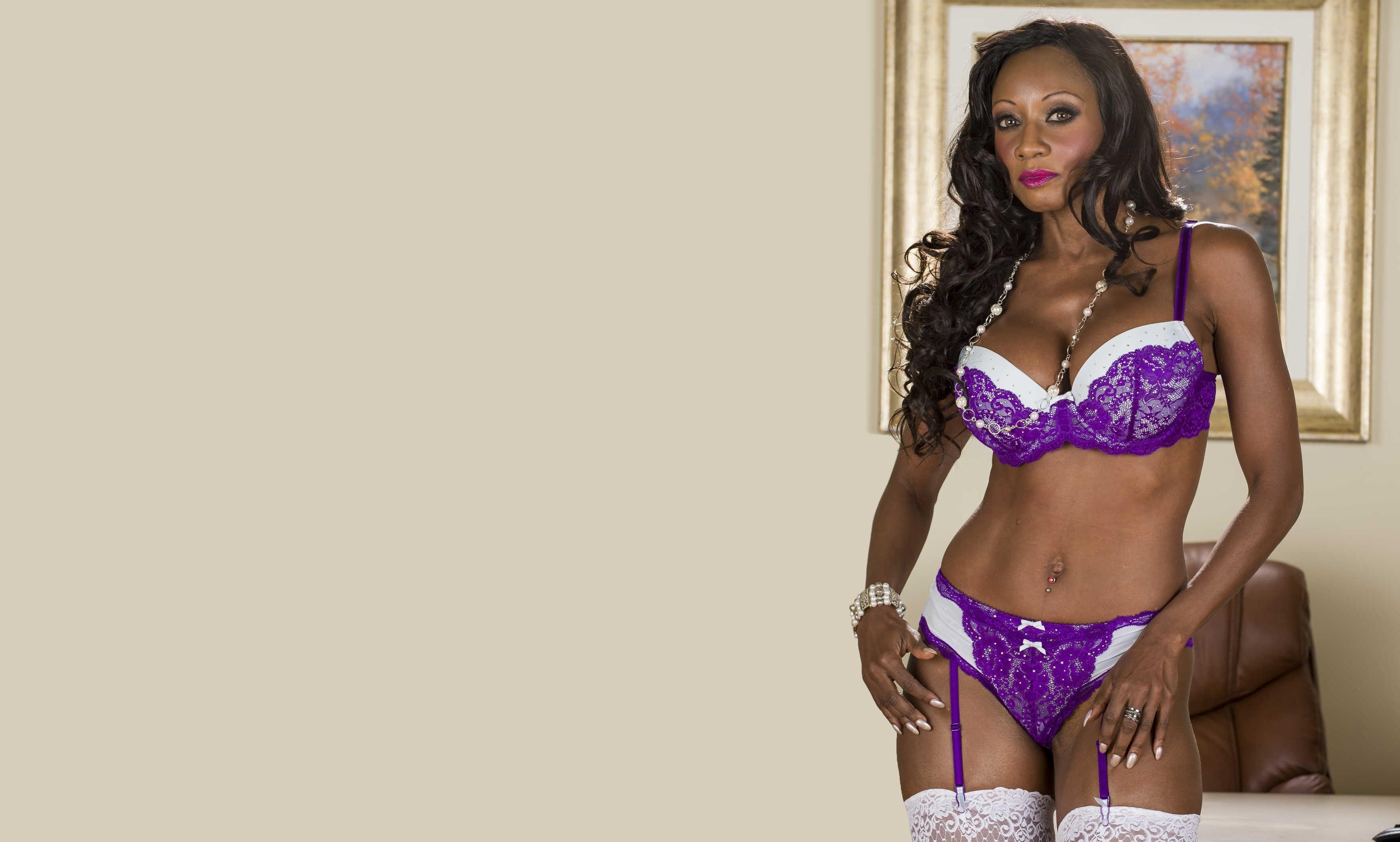 Ebony MILF professor Diamond Jackson seducing sex from student with huge dick  2090009