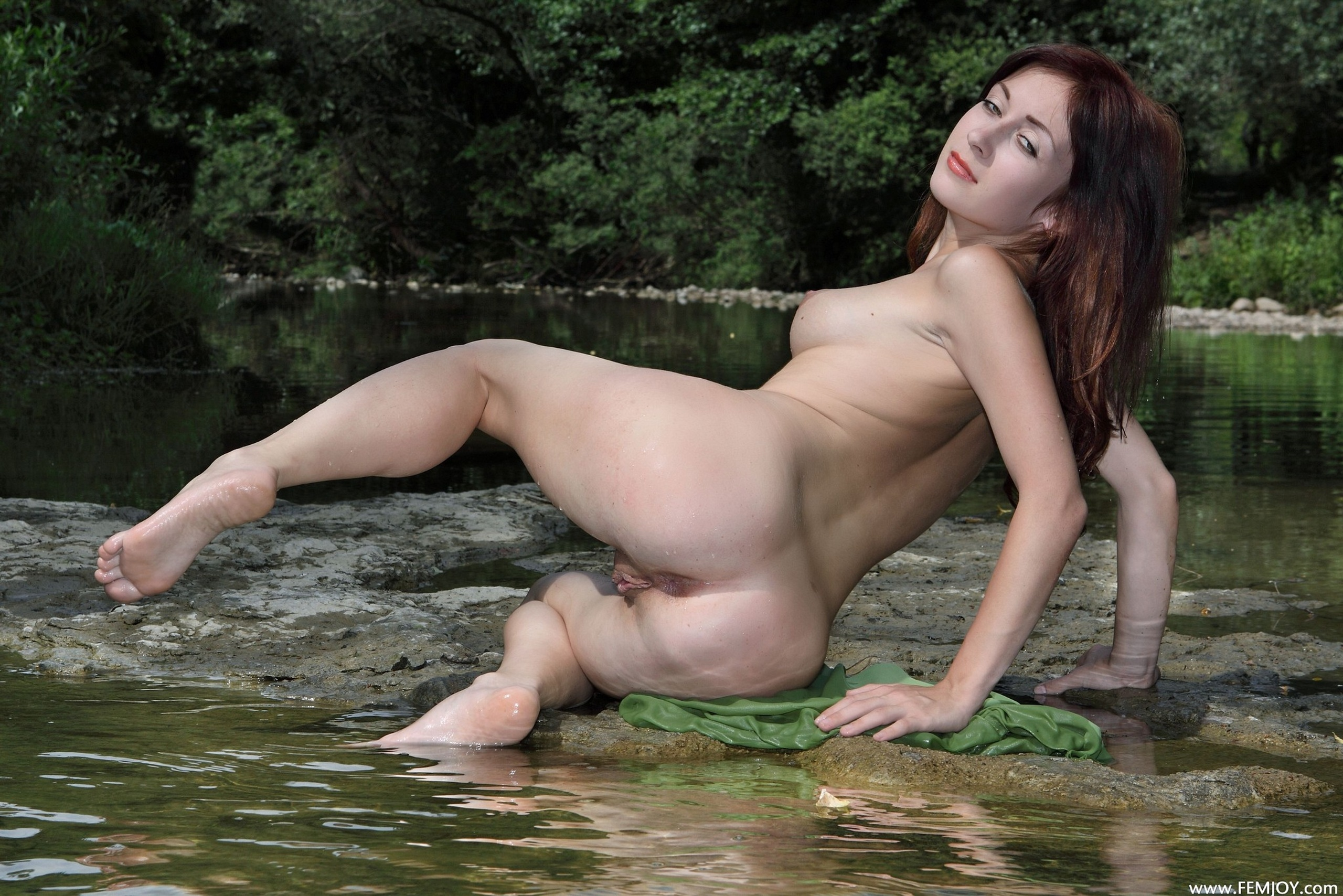 selena gomez pussy ass