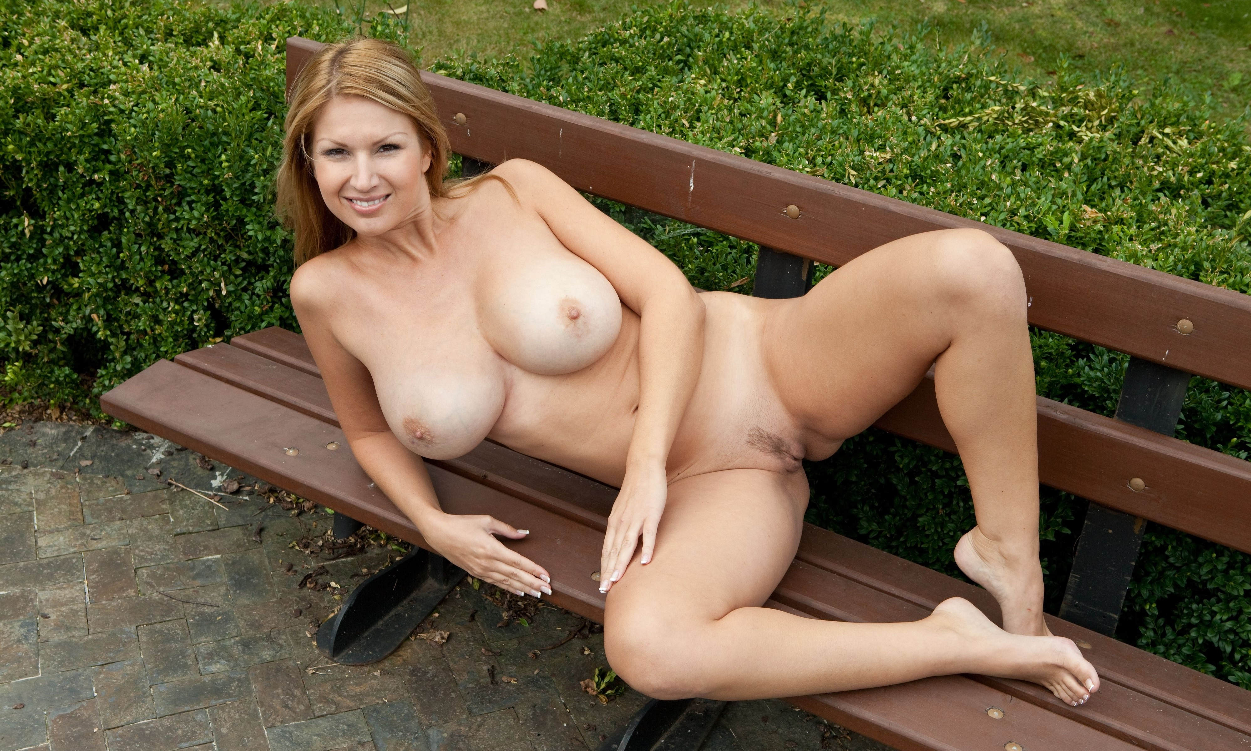 Nude milfs in alley