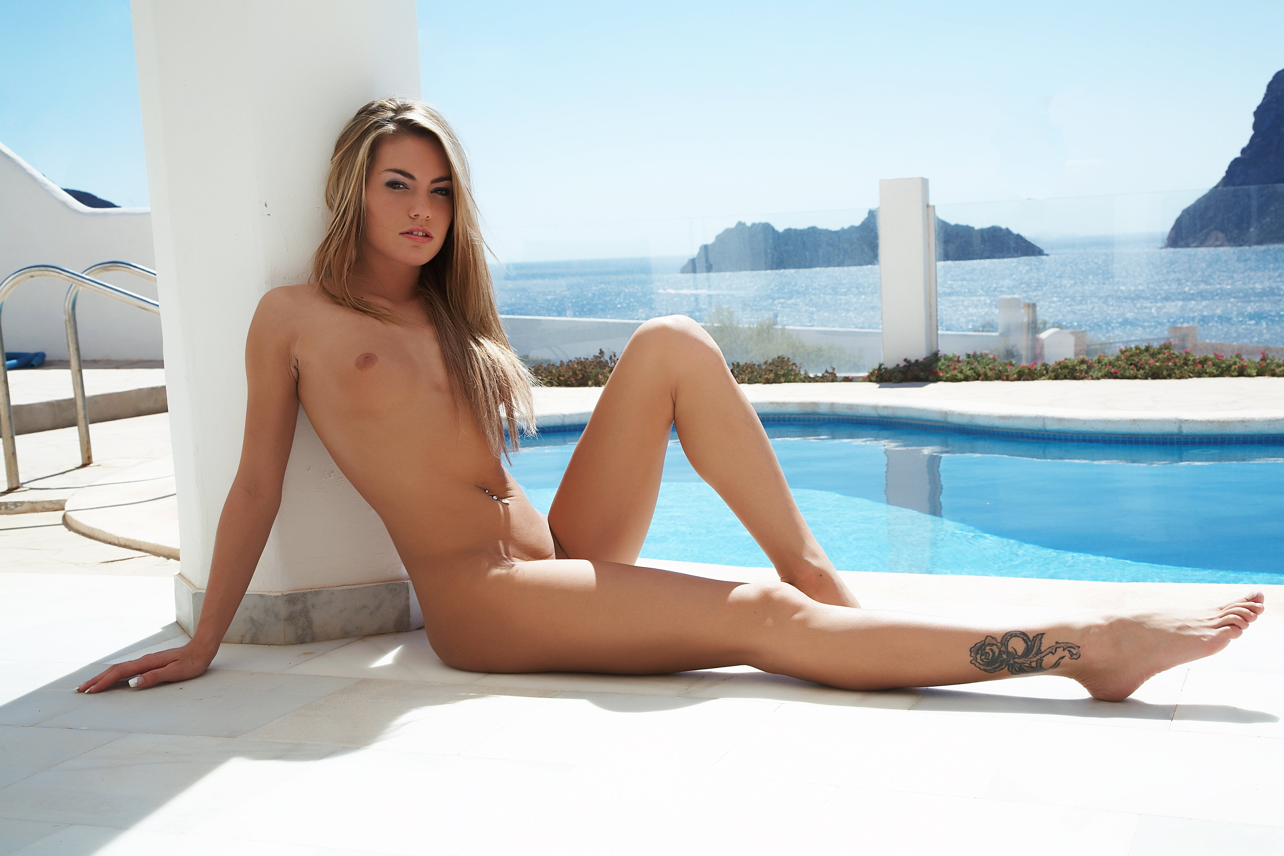 adult-nude-sexy-female-tattoos-pay-porn