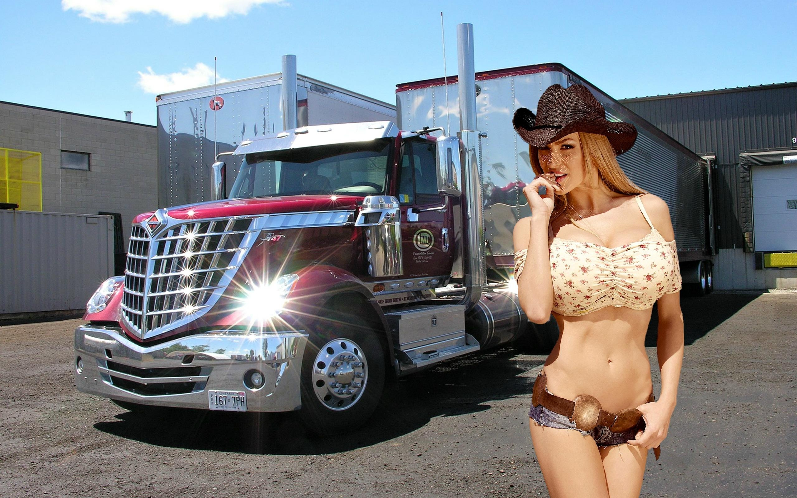 The valuable Naked chicks with big rigs share your