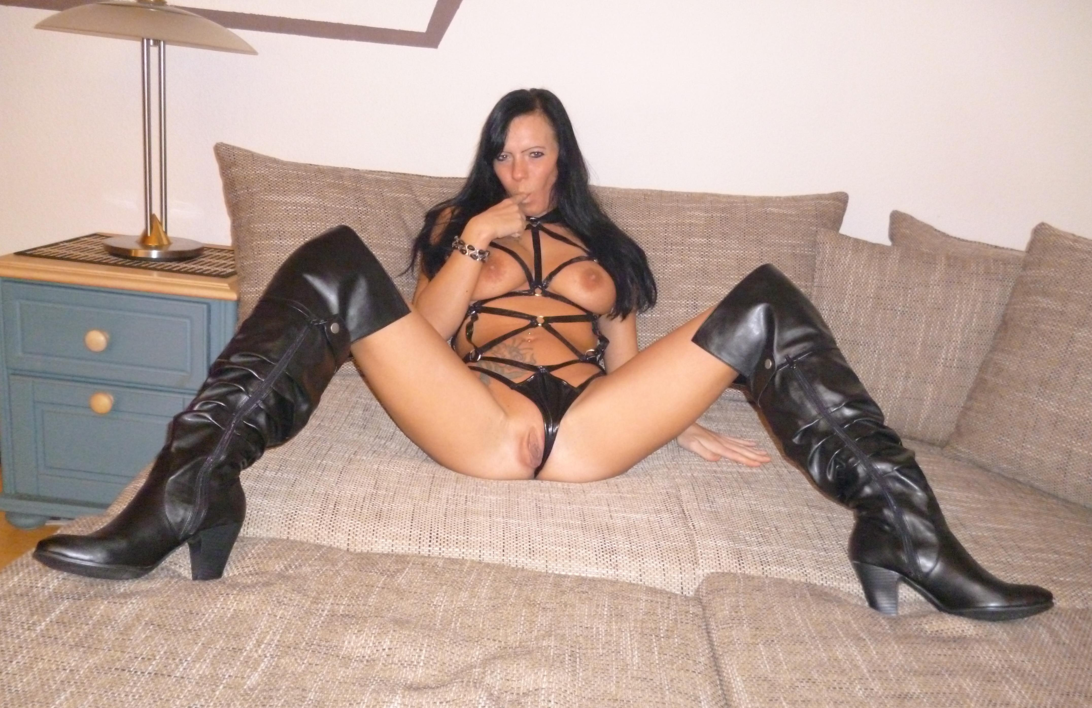 image Cam whore in fishnet dances and plays with herself