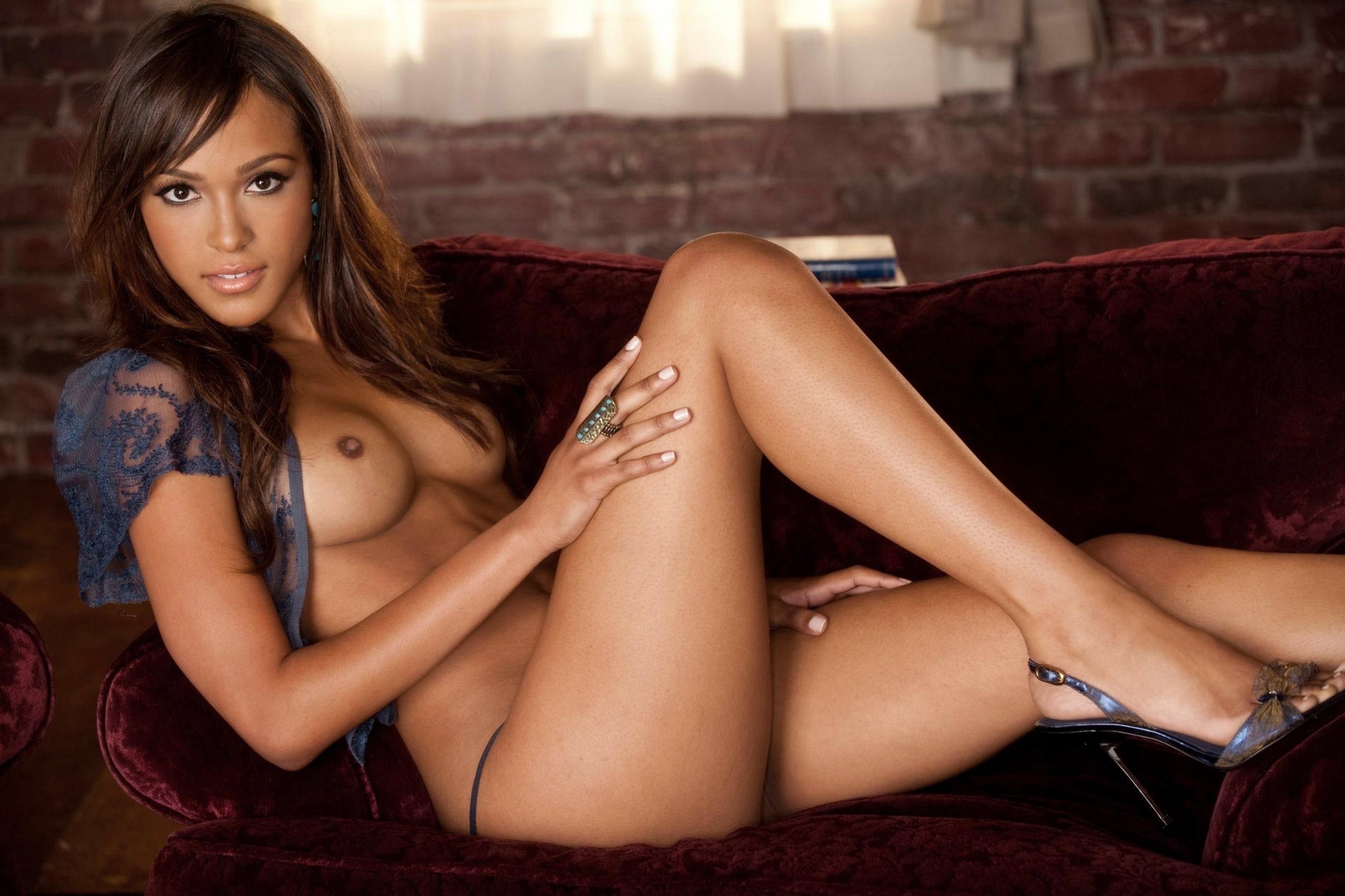 Эротические фото сексуальных мулаток 21 фотография
