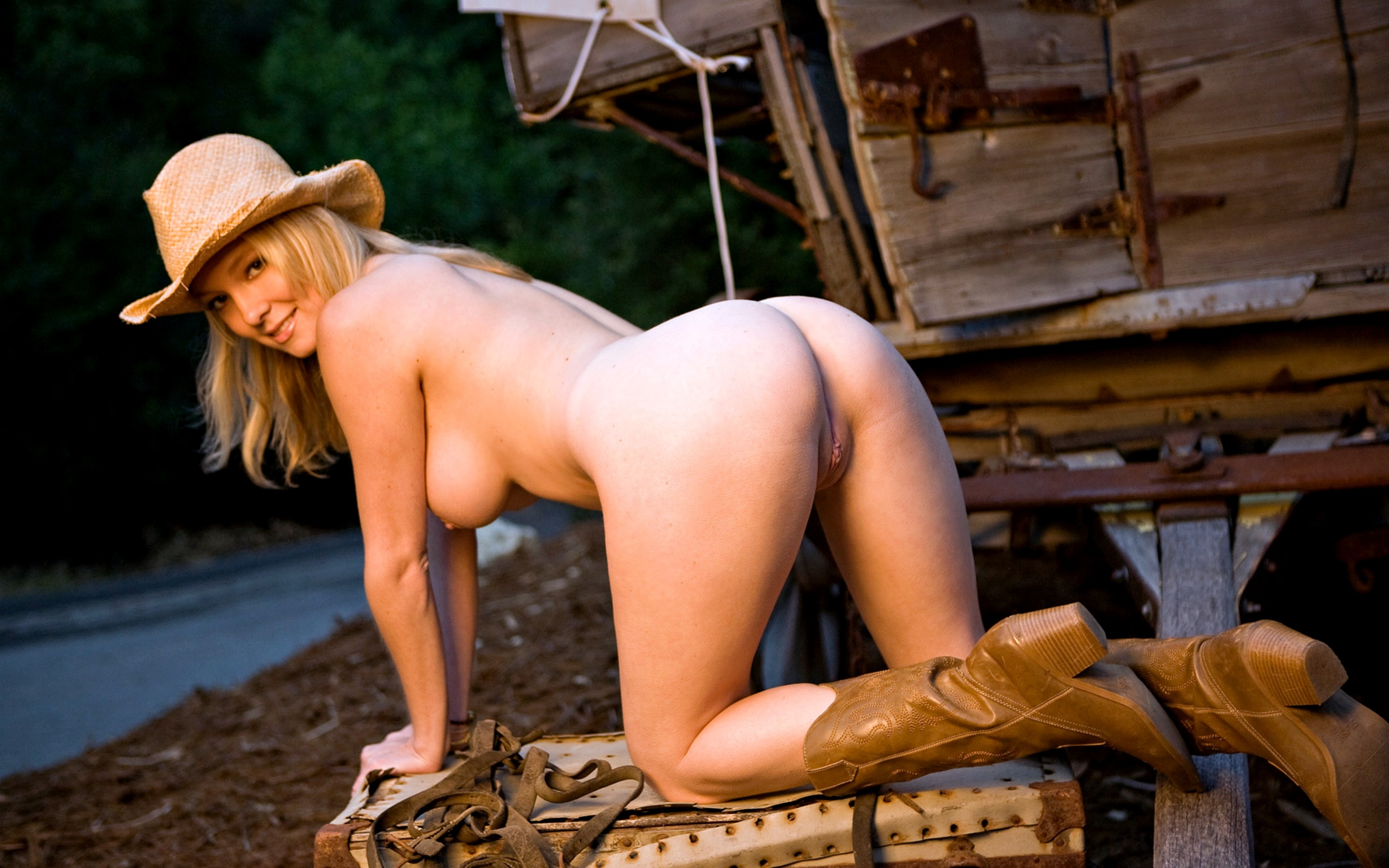 Sexy Cowgirls Pussy Pic