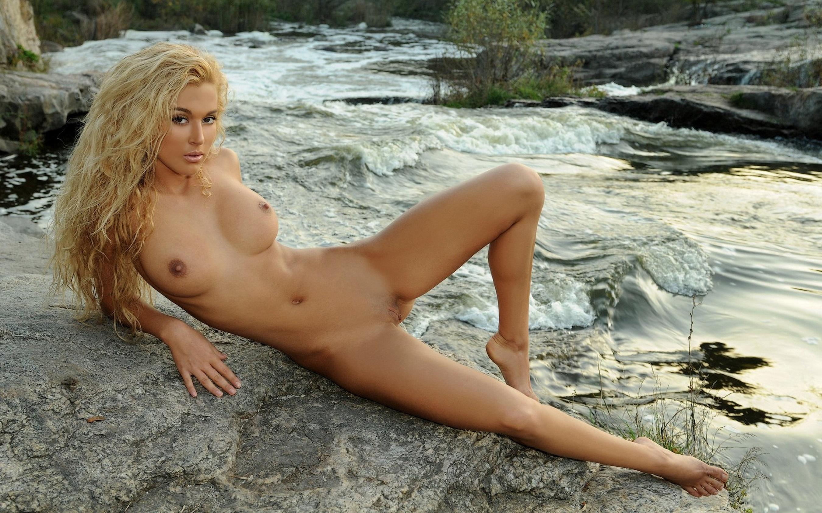 Смотреть бесплатно фото голых девушек онлайн 22 фотография