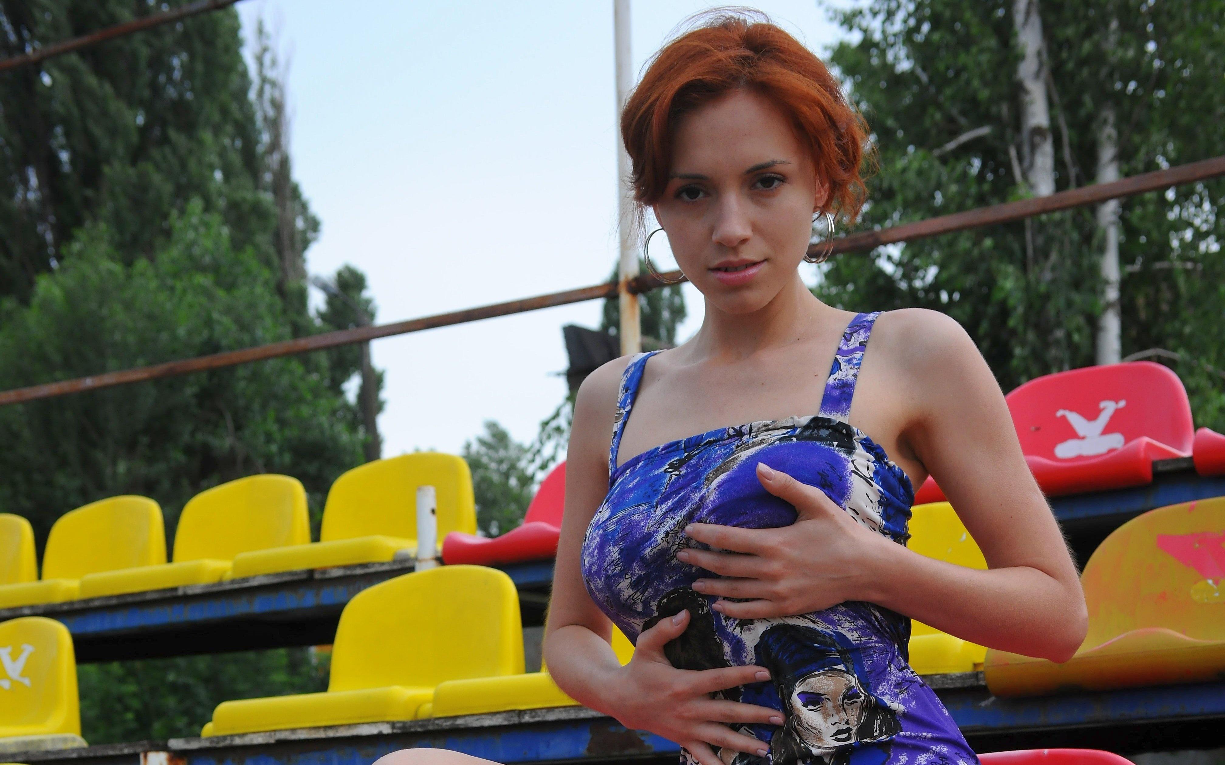 Wallpaper dress, legs, figure, redhead, outdoors