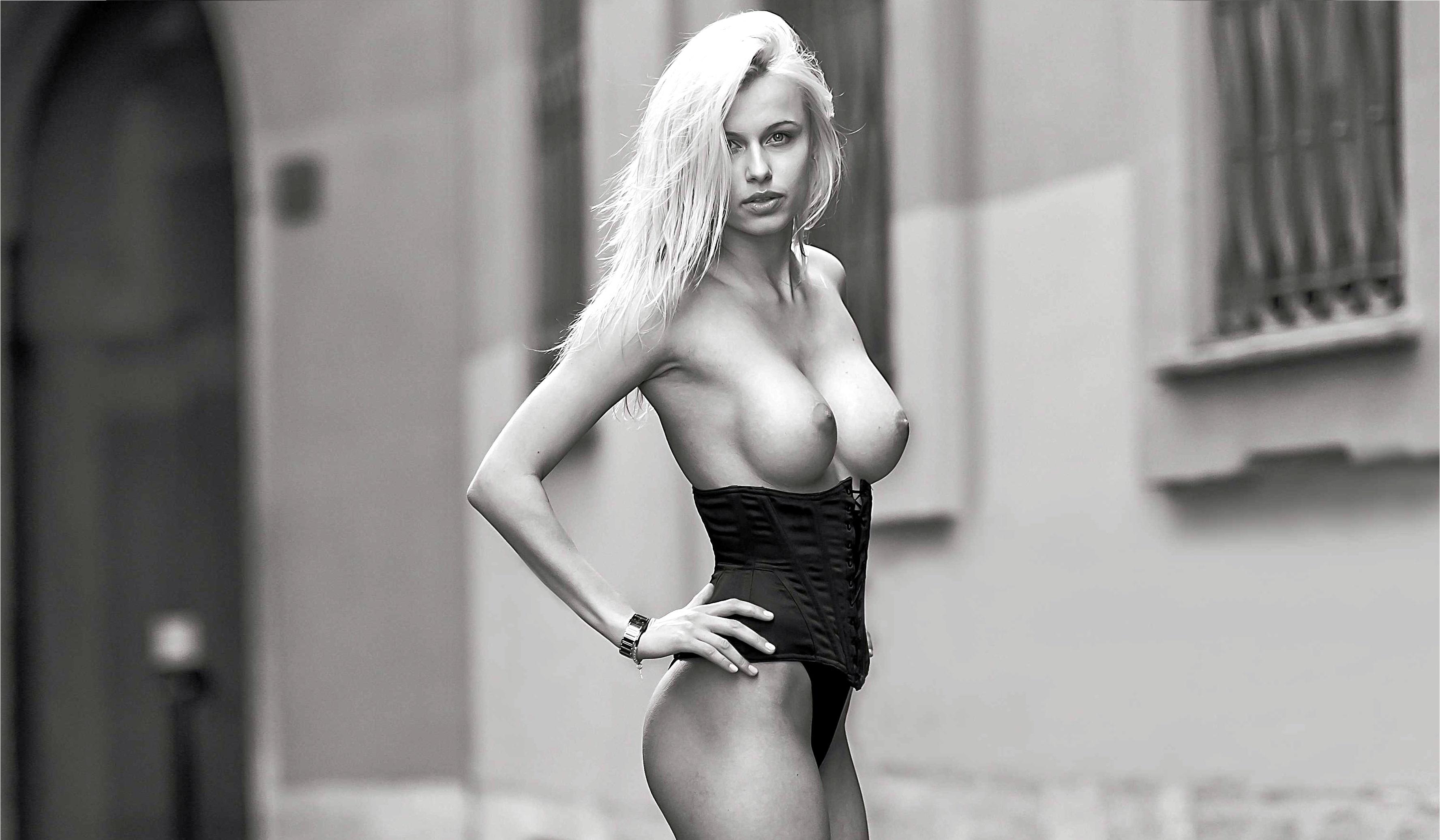 yasmine bleeth nude sex