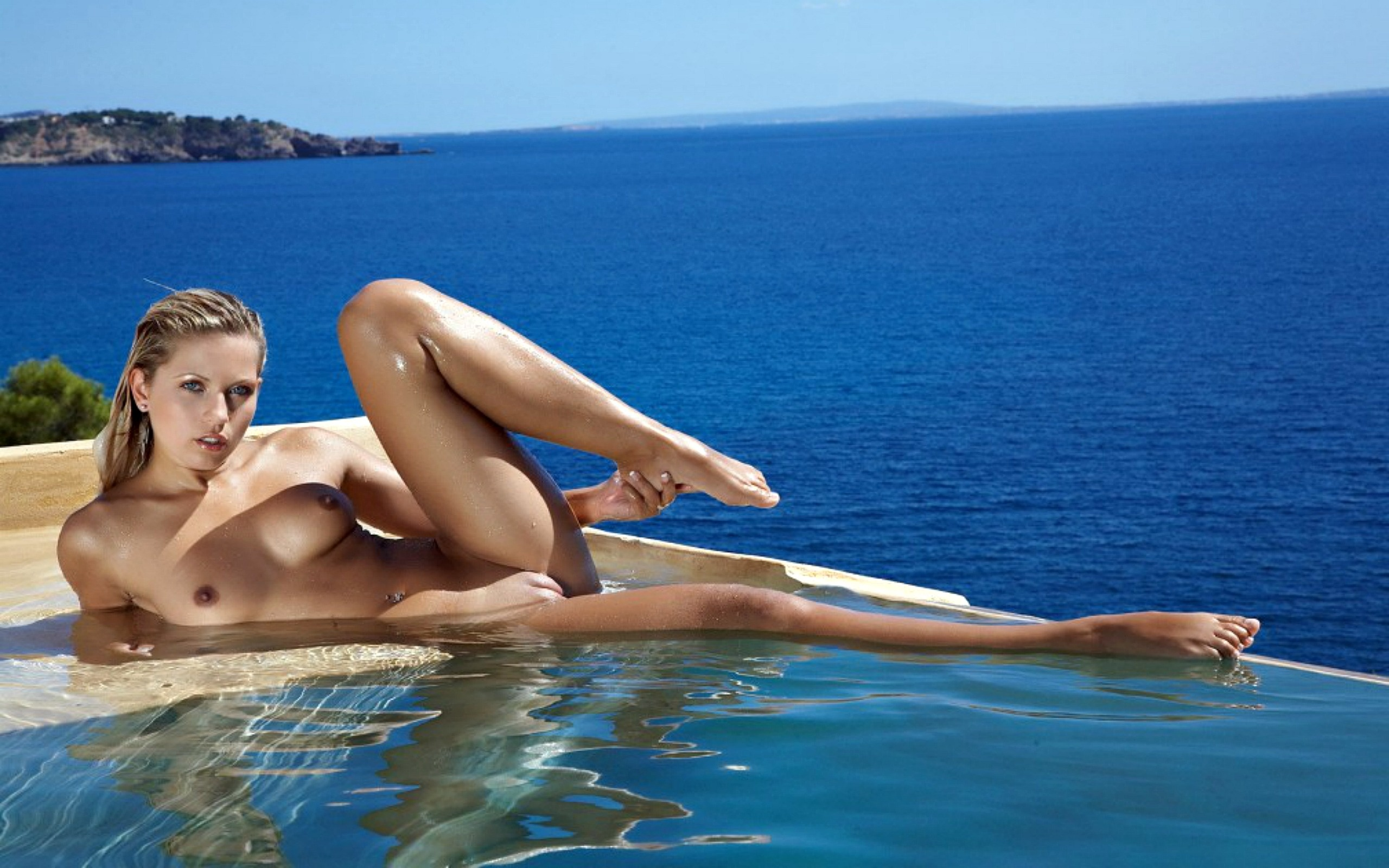 sexy internation girls in nude