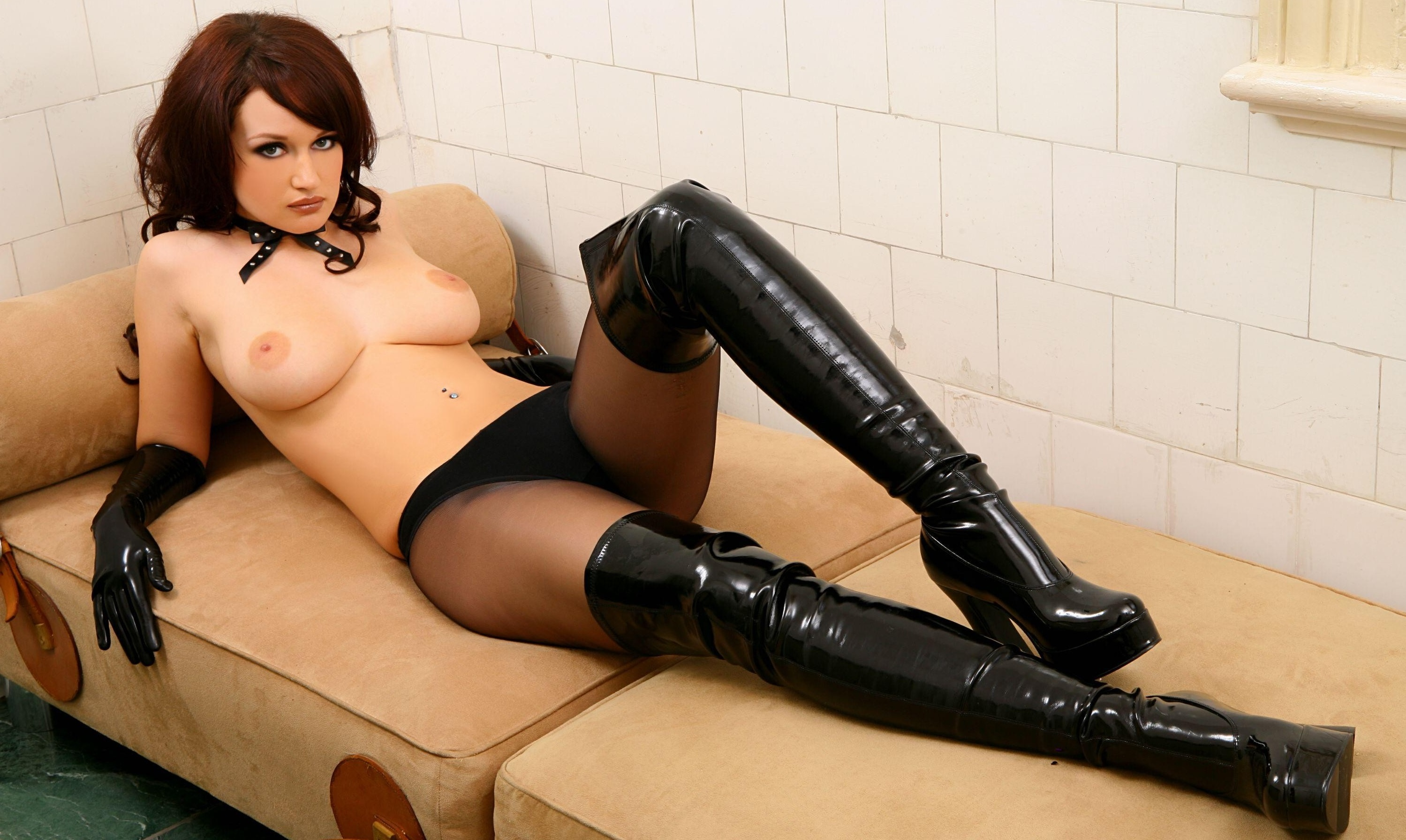 boots Redhead in