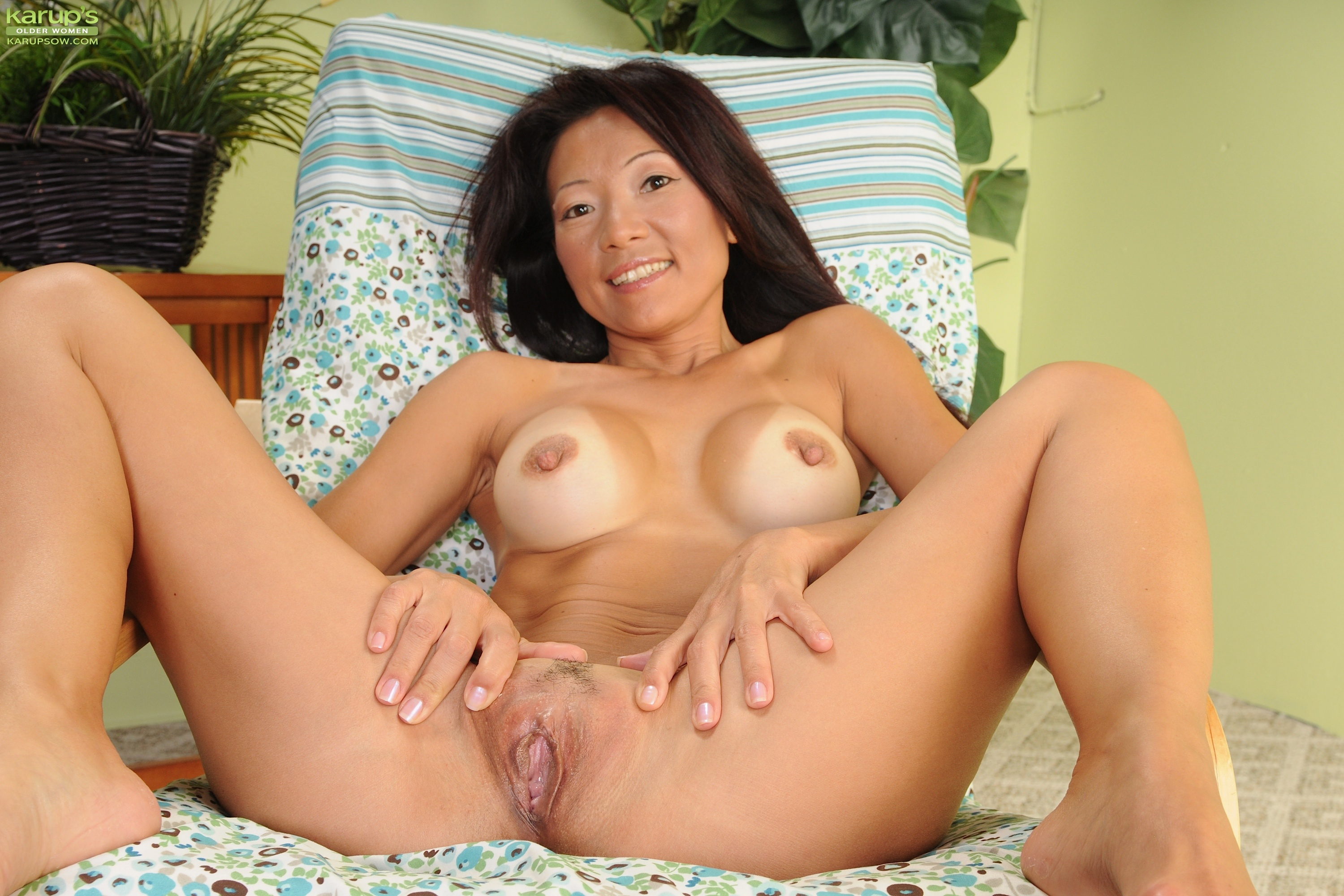 Asian milf fucking sites