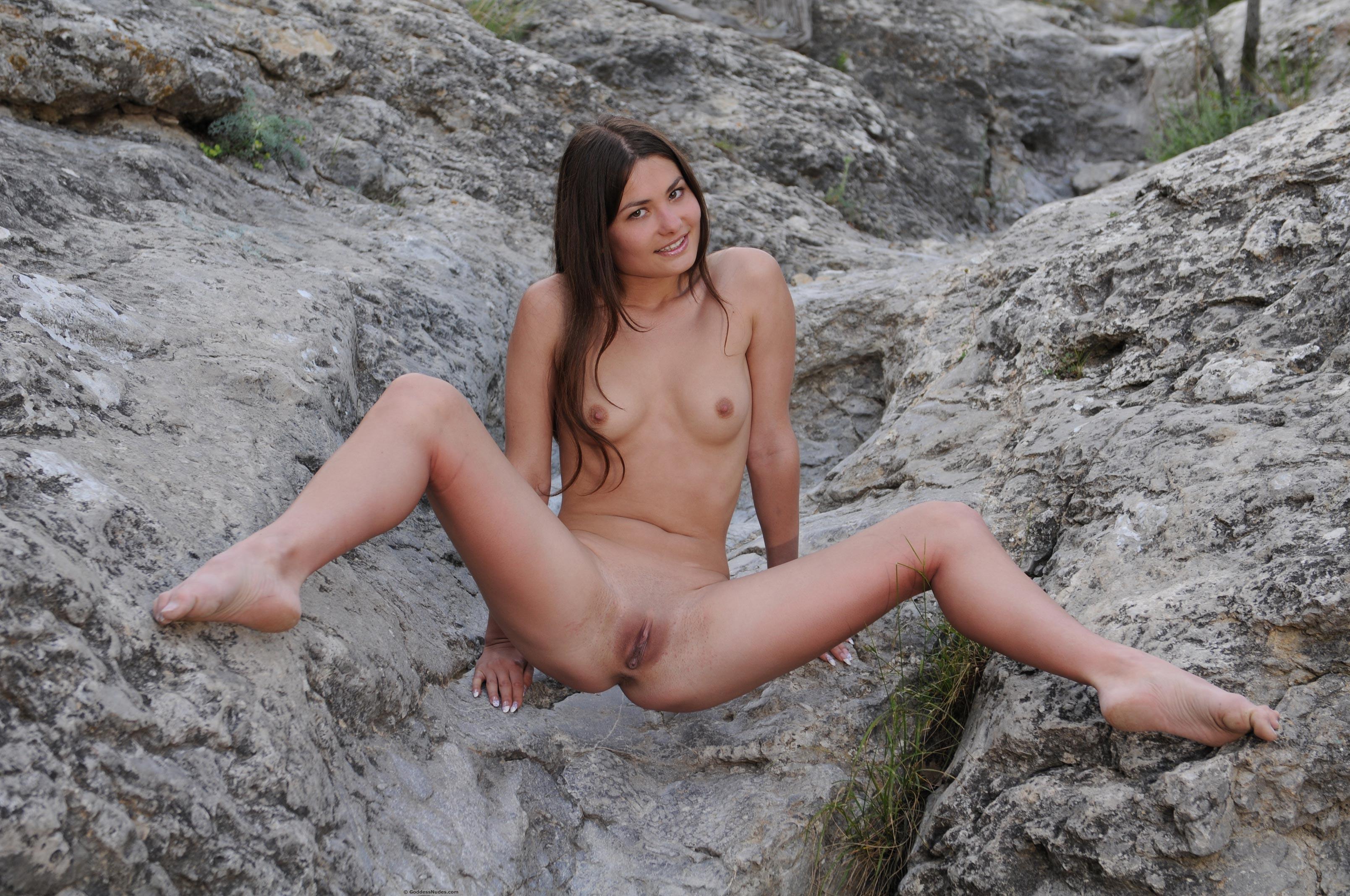 Pregnant Teen Nude