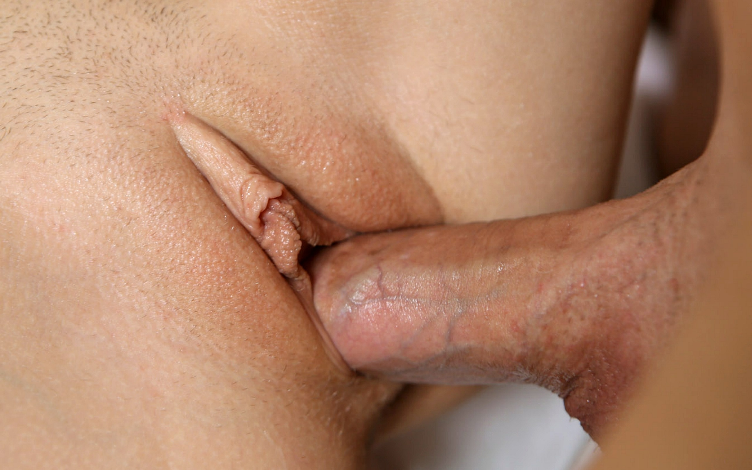 How deep can a penis penetrate a vagina-4129