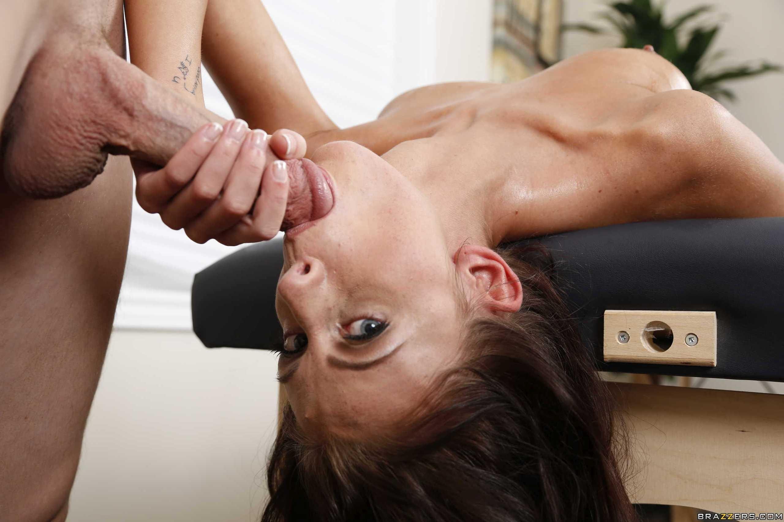 sexy women sucking cocks