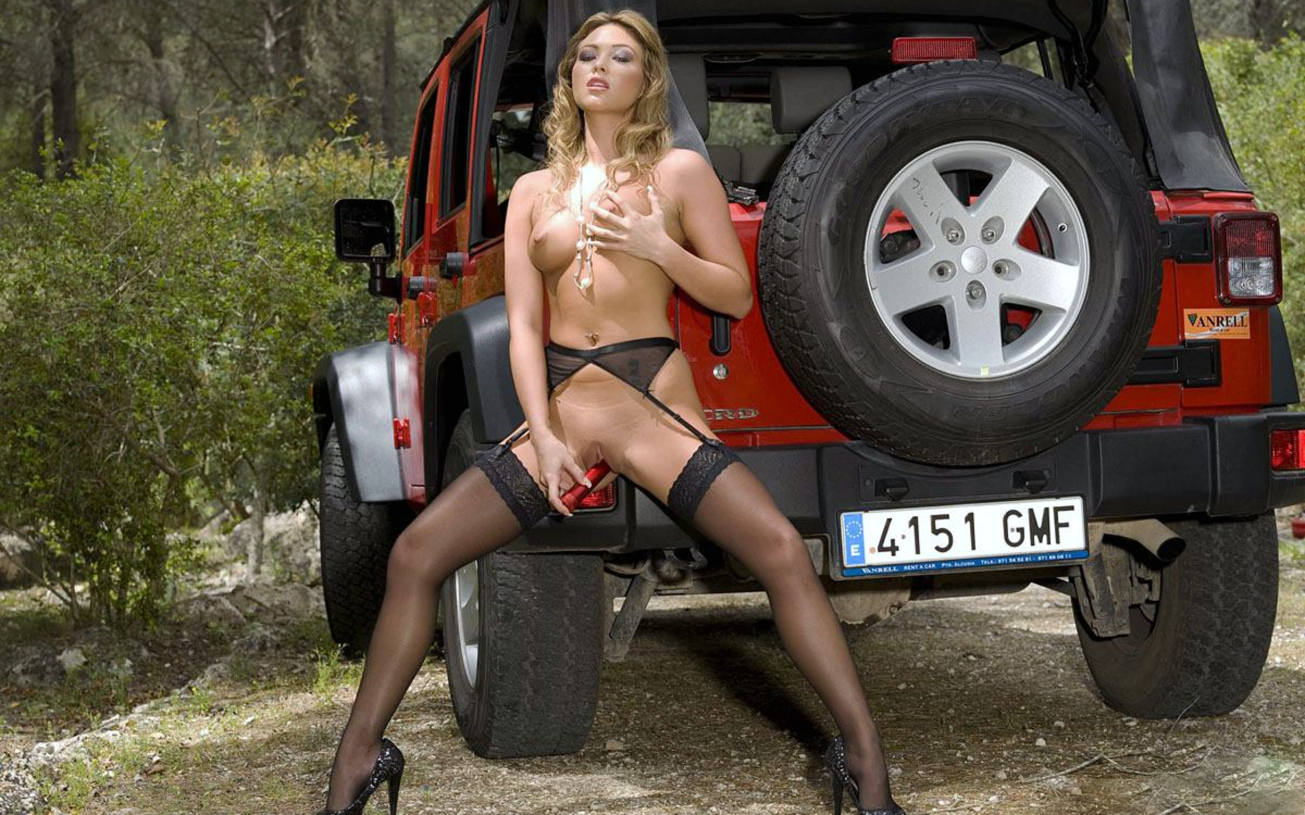 For Jeeps and nude babes very