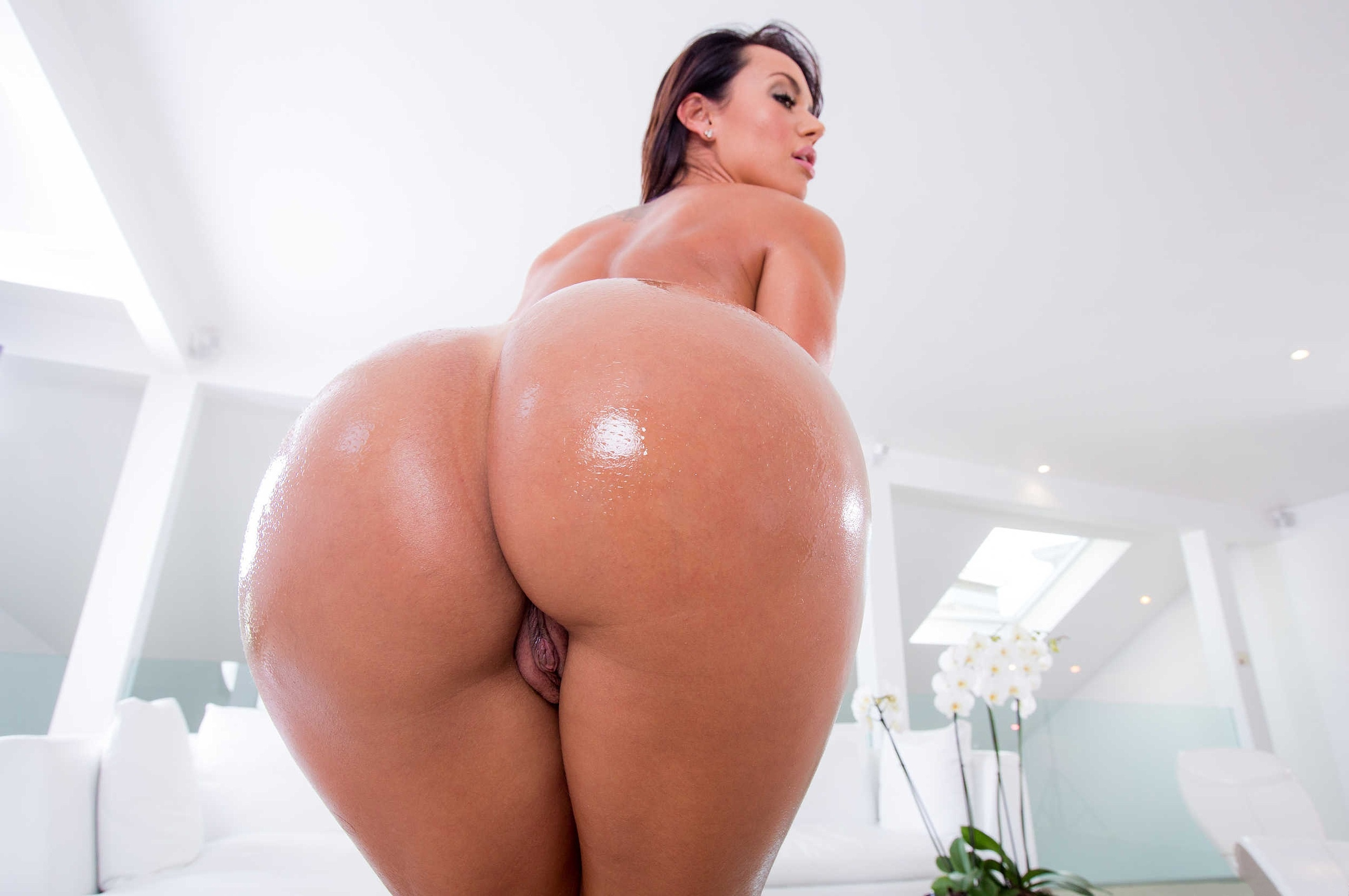 Understand you. Big black oiled ebony ass and pussy can speak