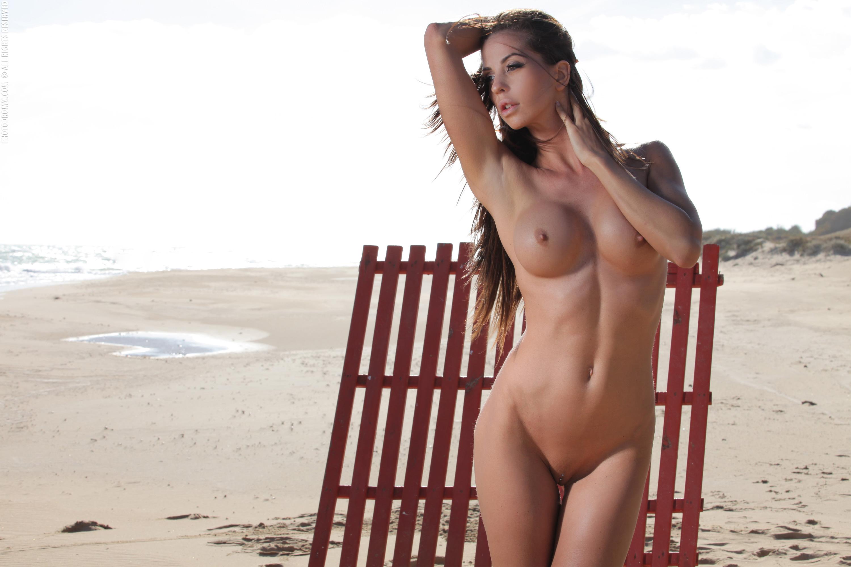 Hooters girls nude beach