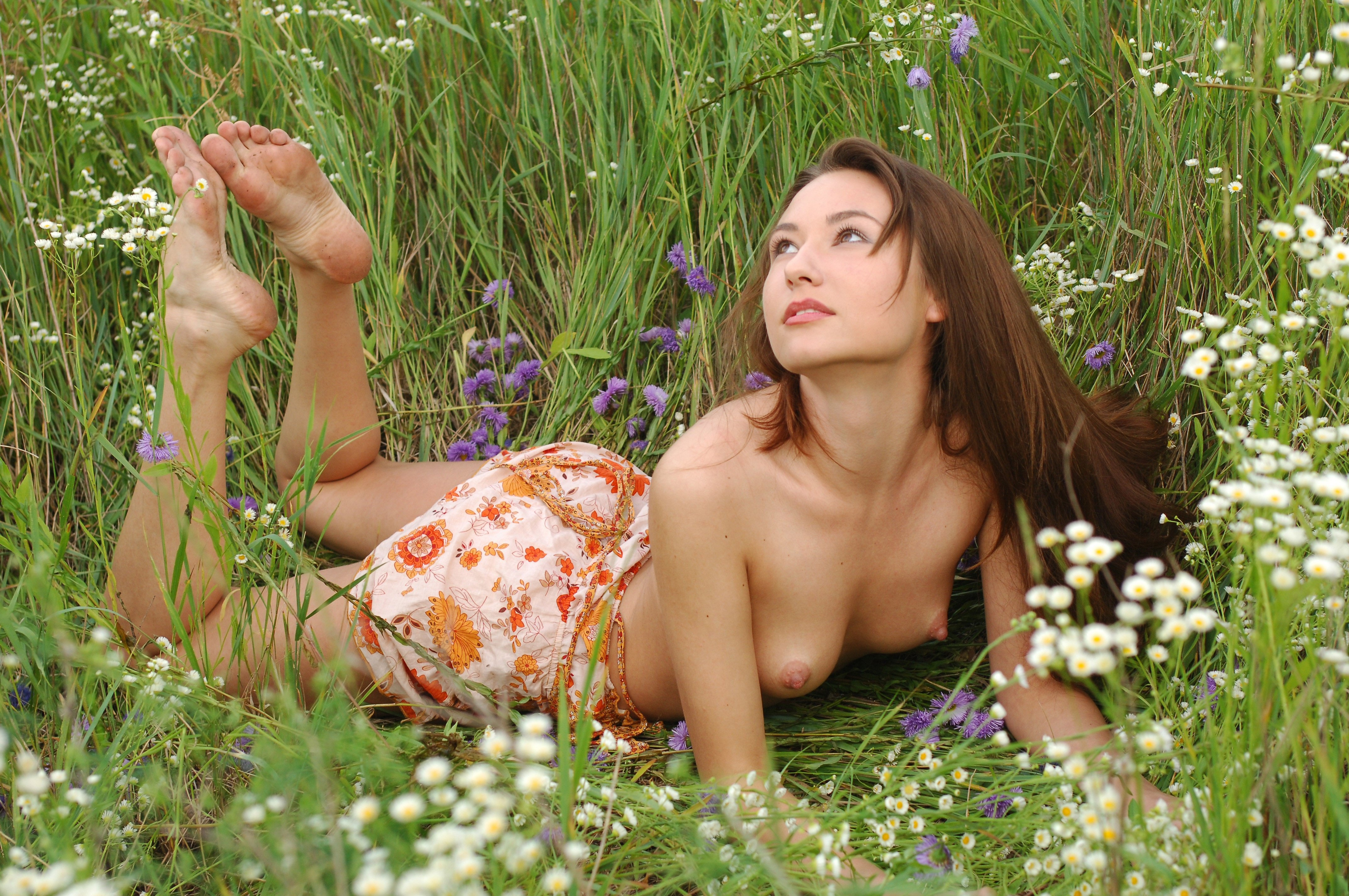 Nude With Flowers 15