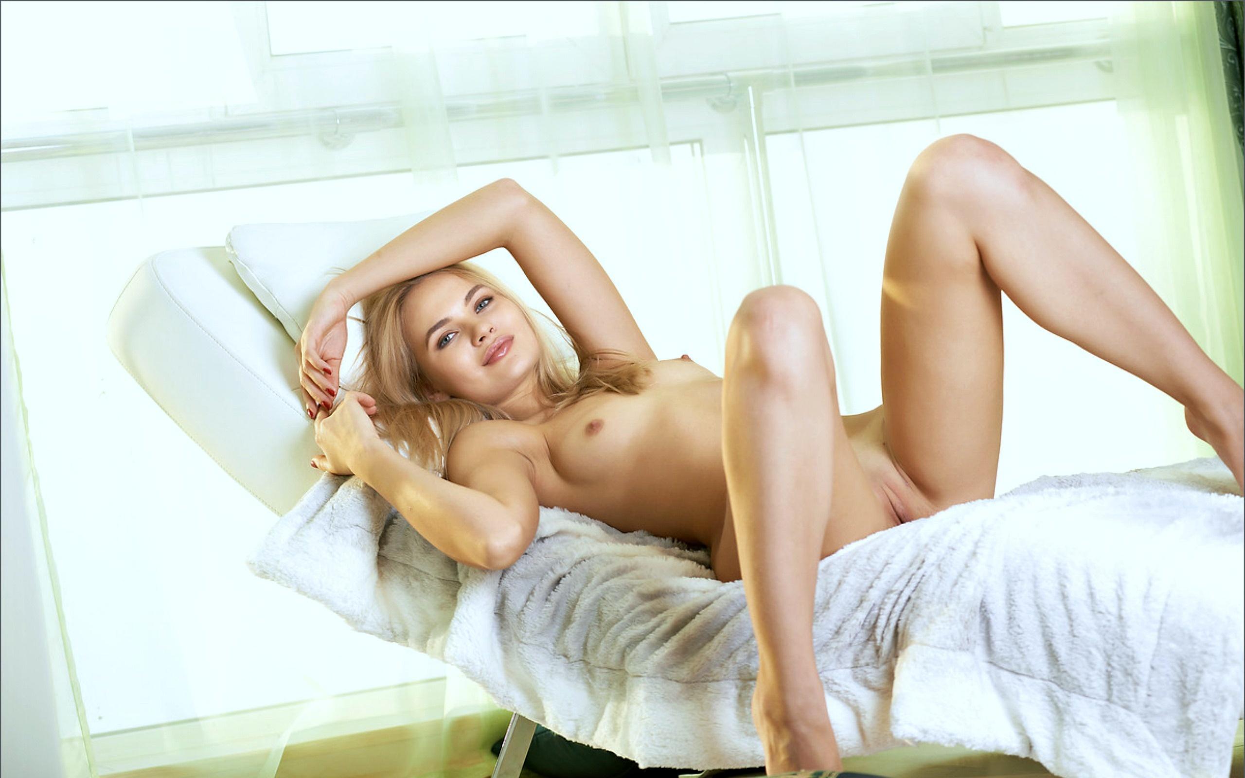 Бесплатная эротика с моделью талиа фото 372-462
