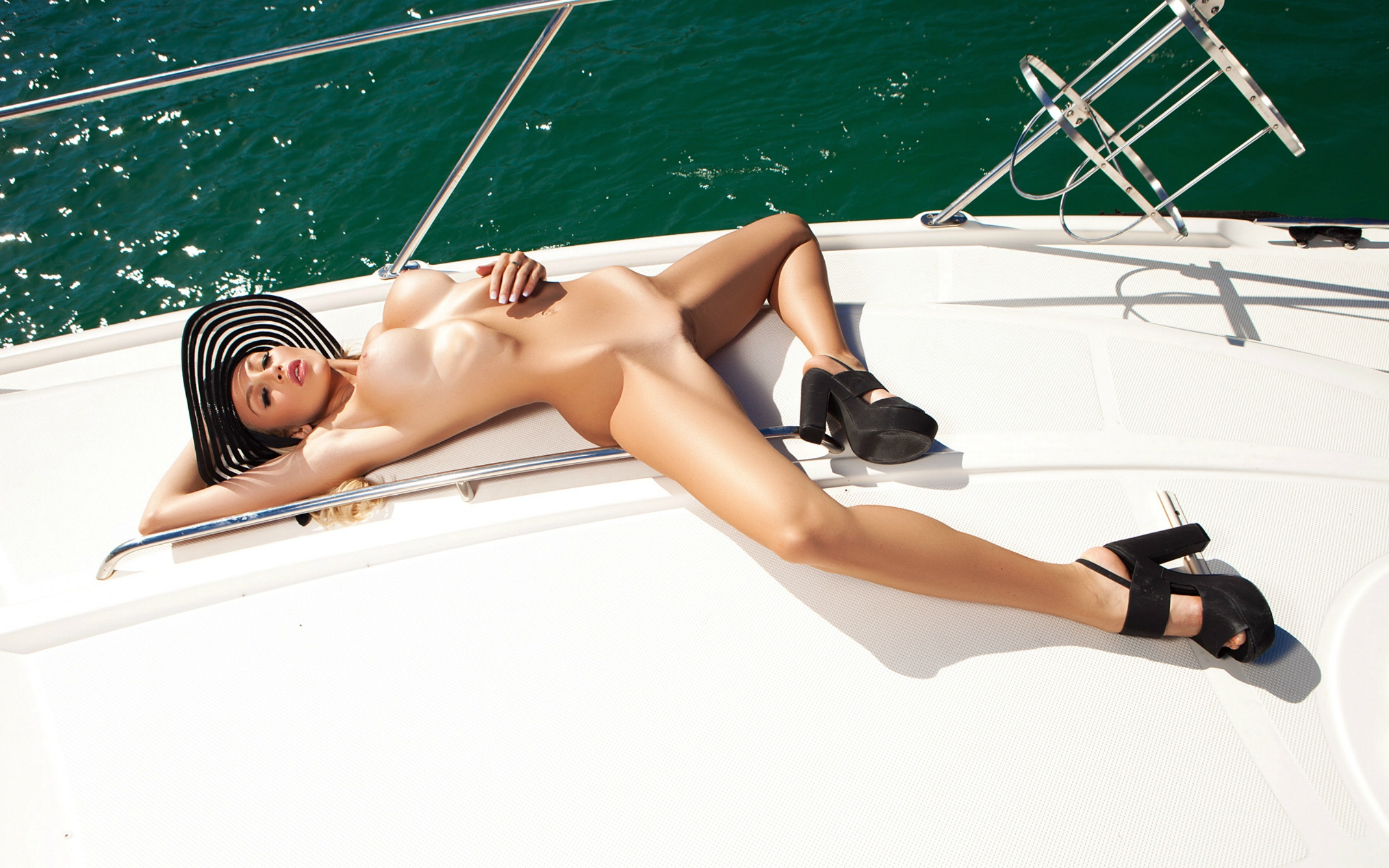Wife mom new shaved pussy videos on yachts babe....so