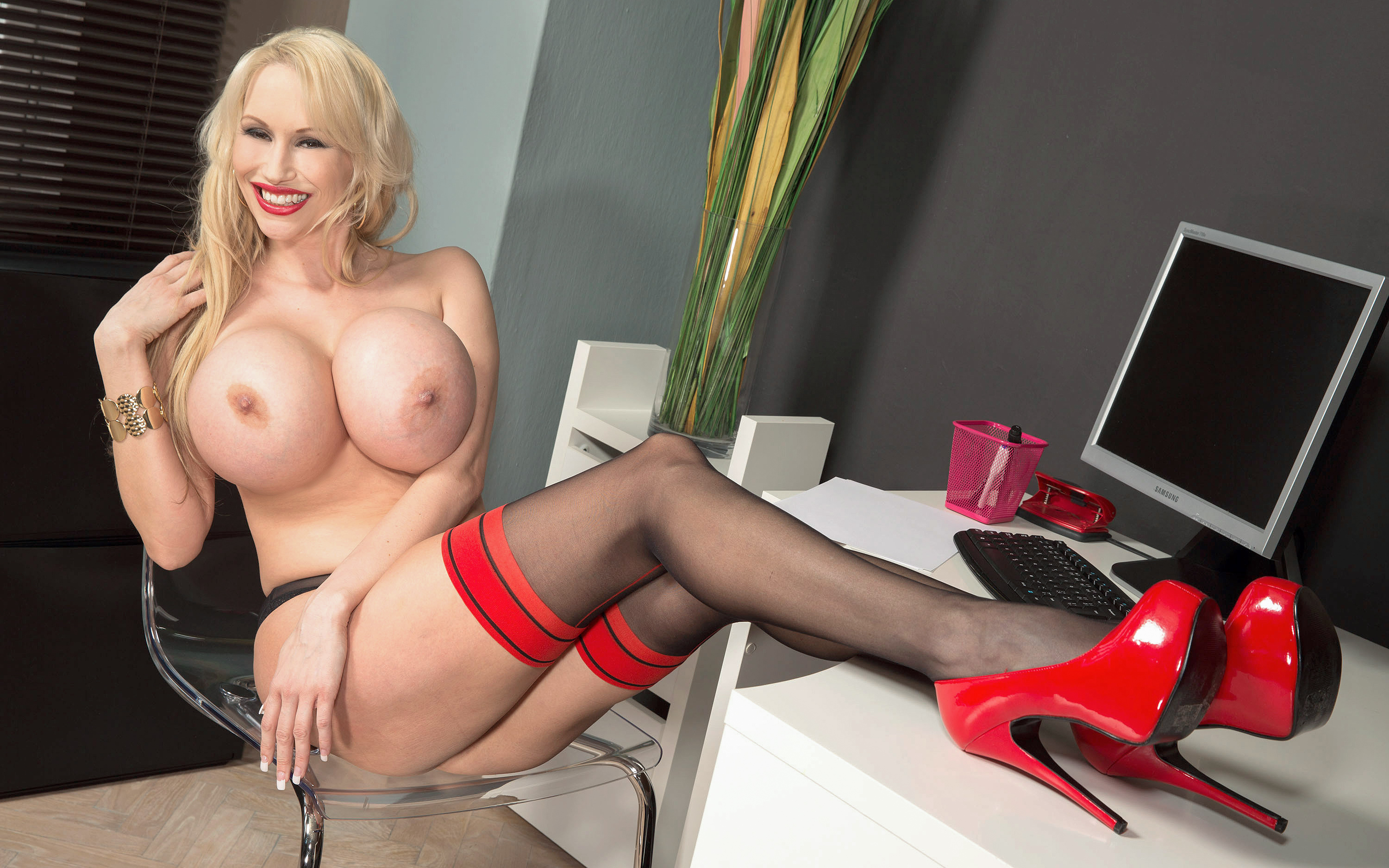 Big tits red stockings have