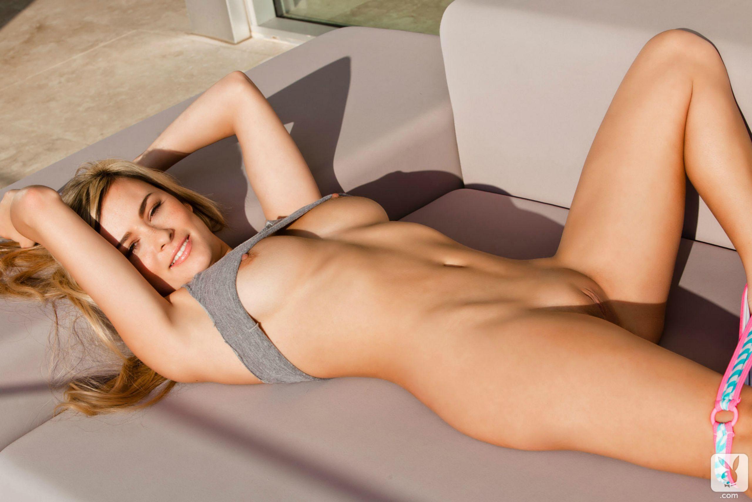 hottest smart college girls naked