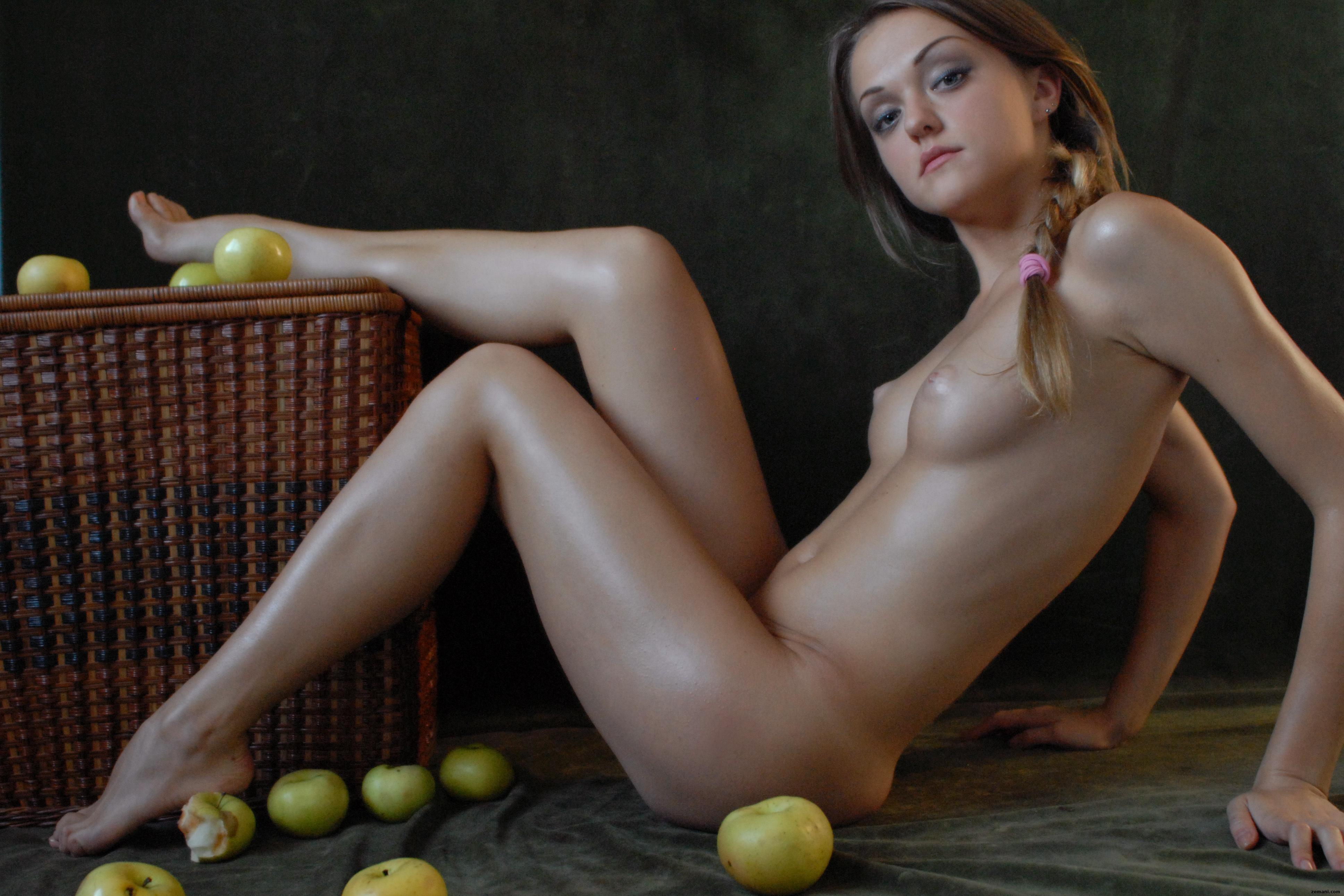 marge simpson costume nude