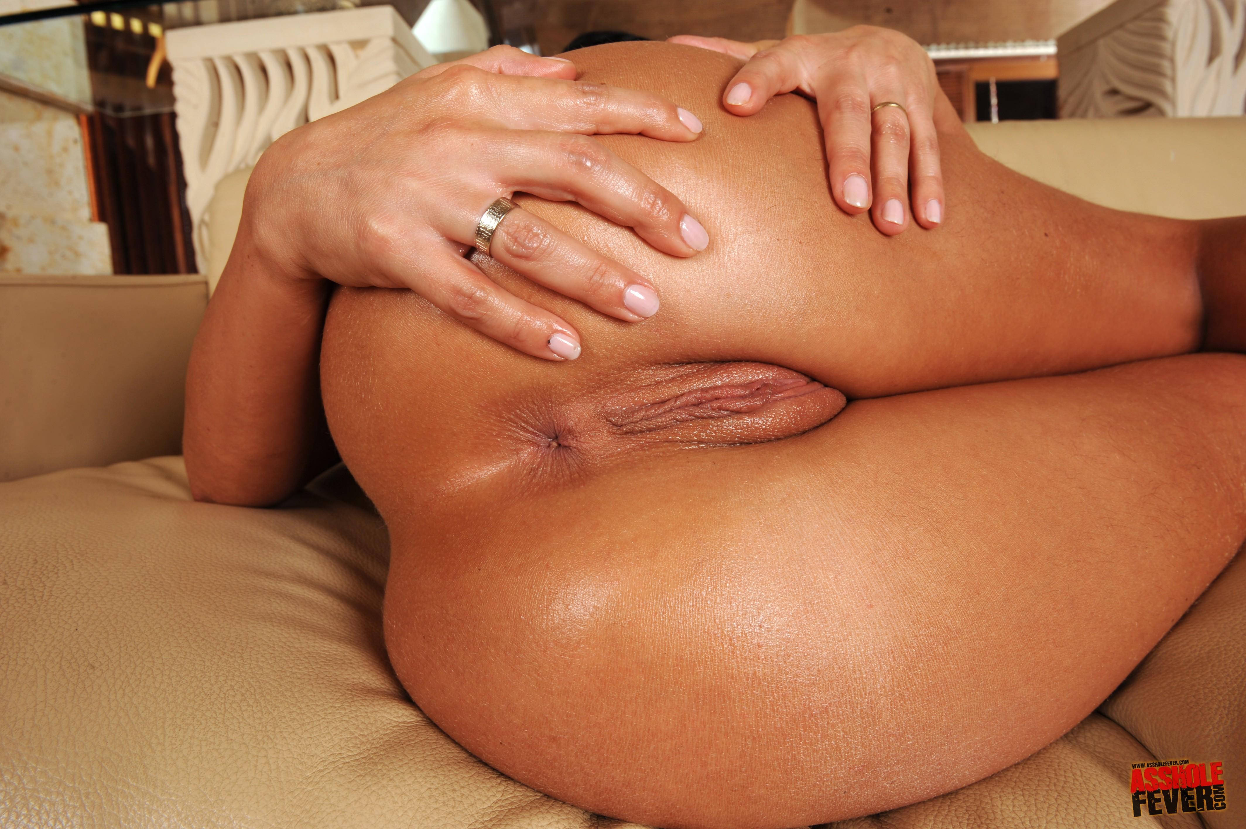 Pam andeson having anal