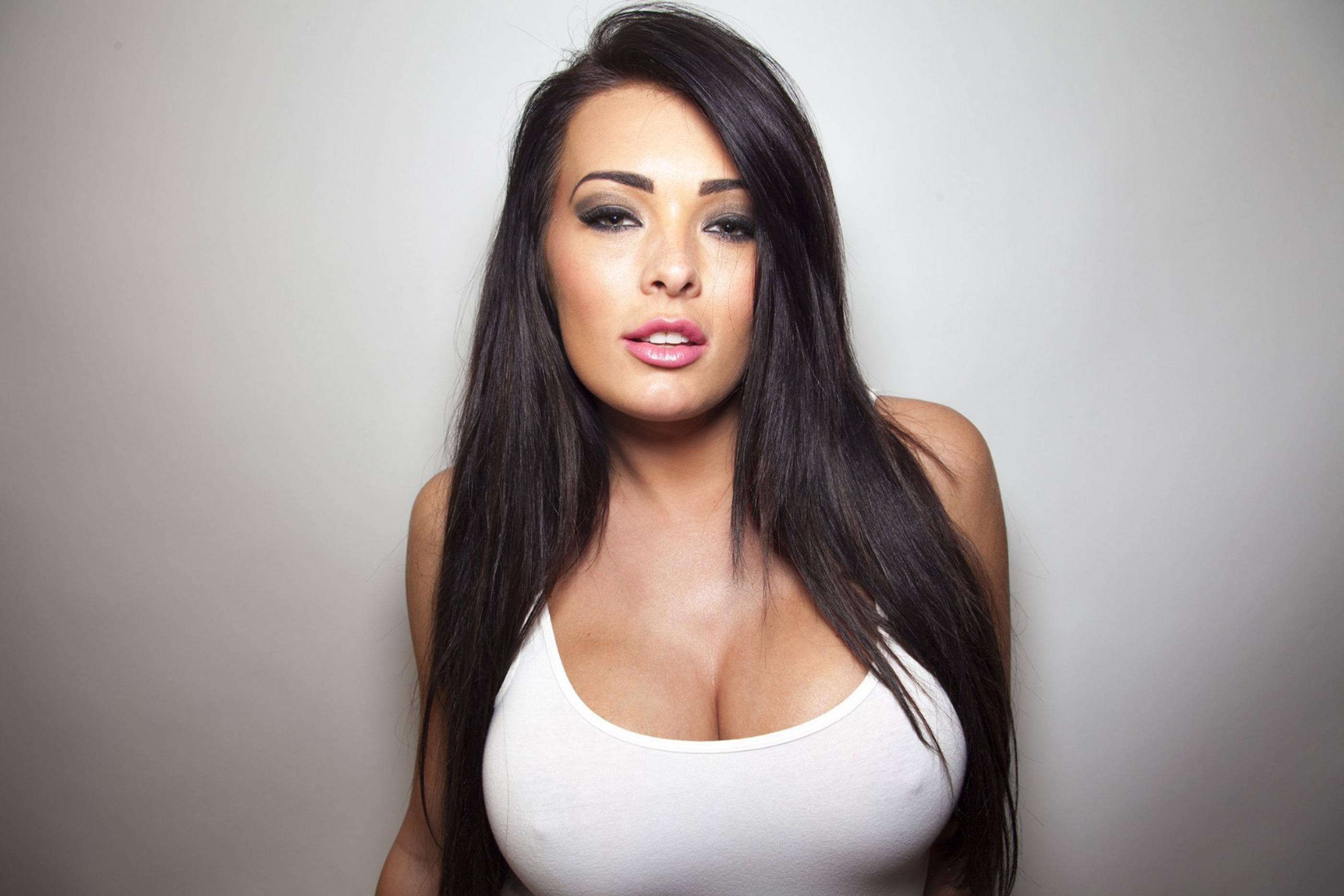 Сексуальные девочки с большой грудью 5 фотография