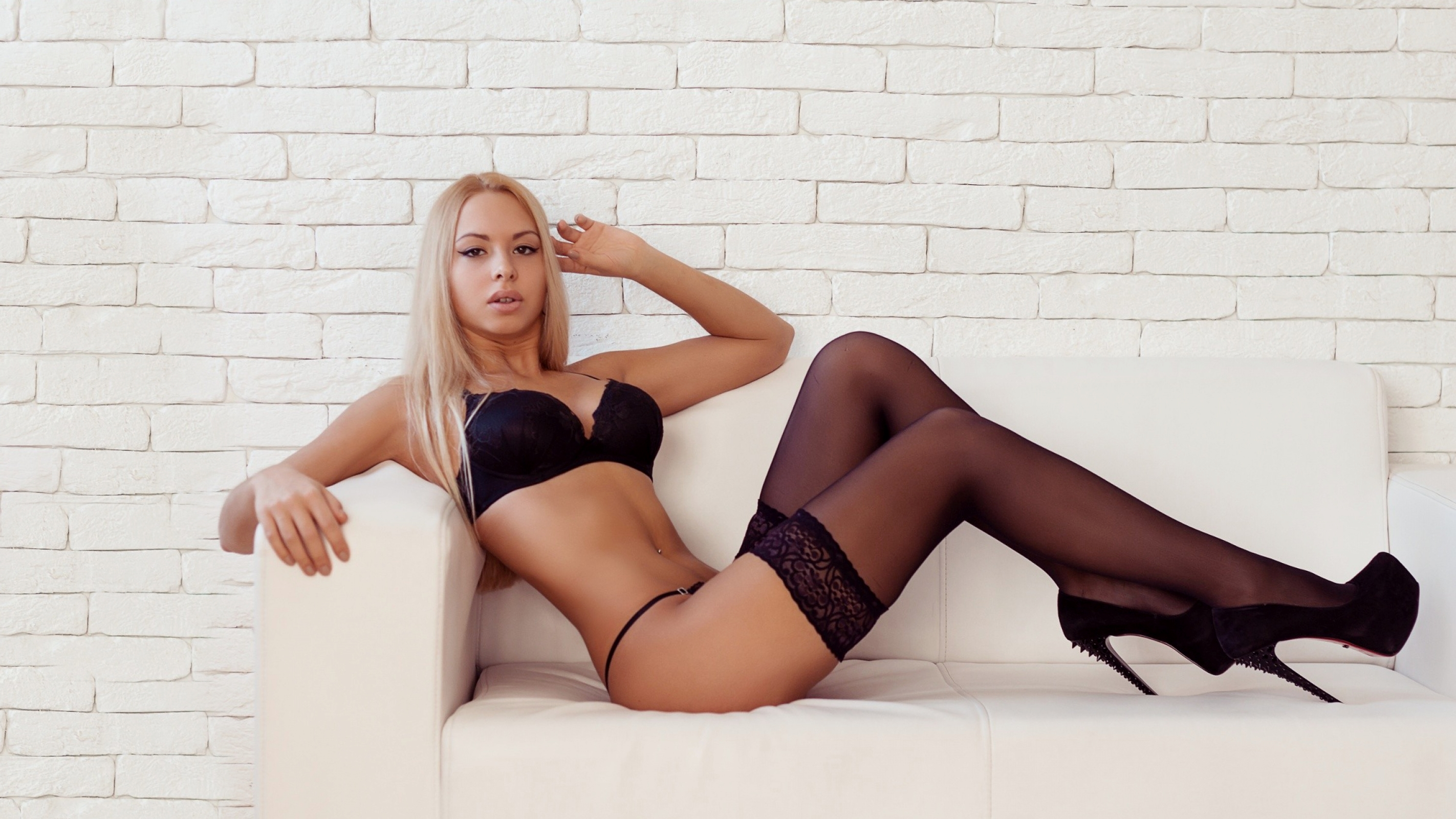 Sexy models lingerie high heels charming